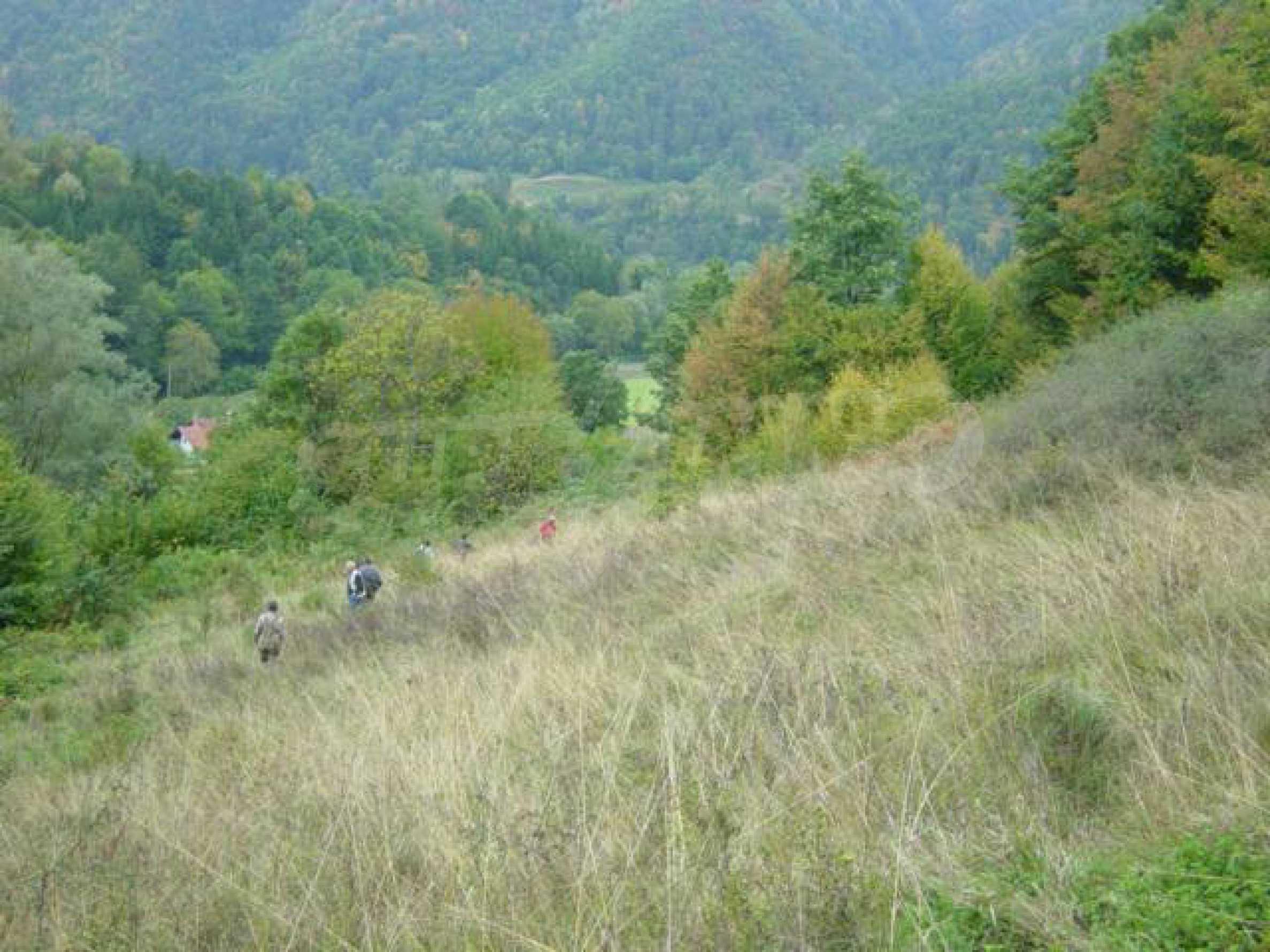 Ackerland inmitten der wunderschönen Natur des Teteven Balkan 4