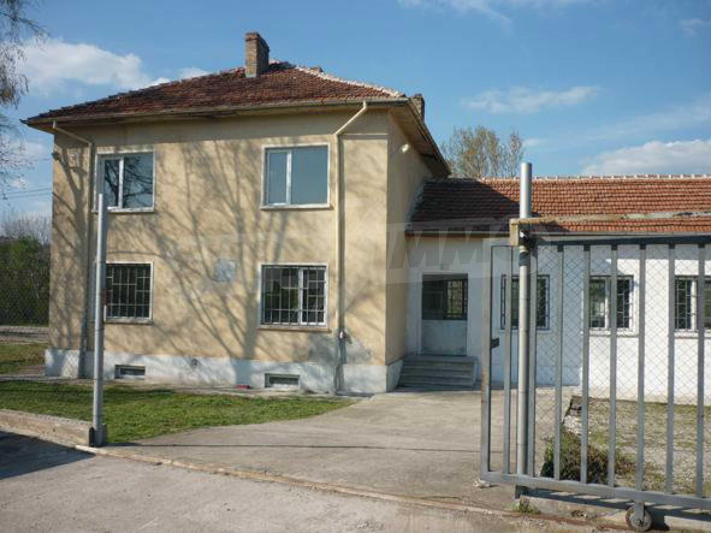 Industriegelände in einem Dorf 6 km von der Stadt Lovech entfernt 2