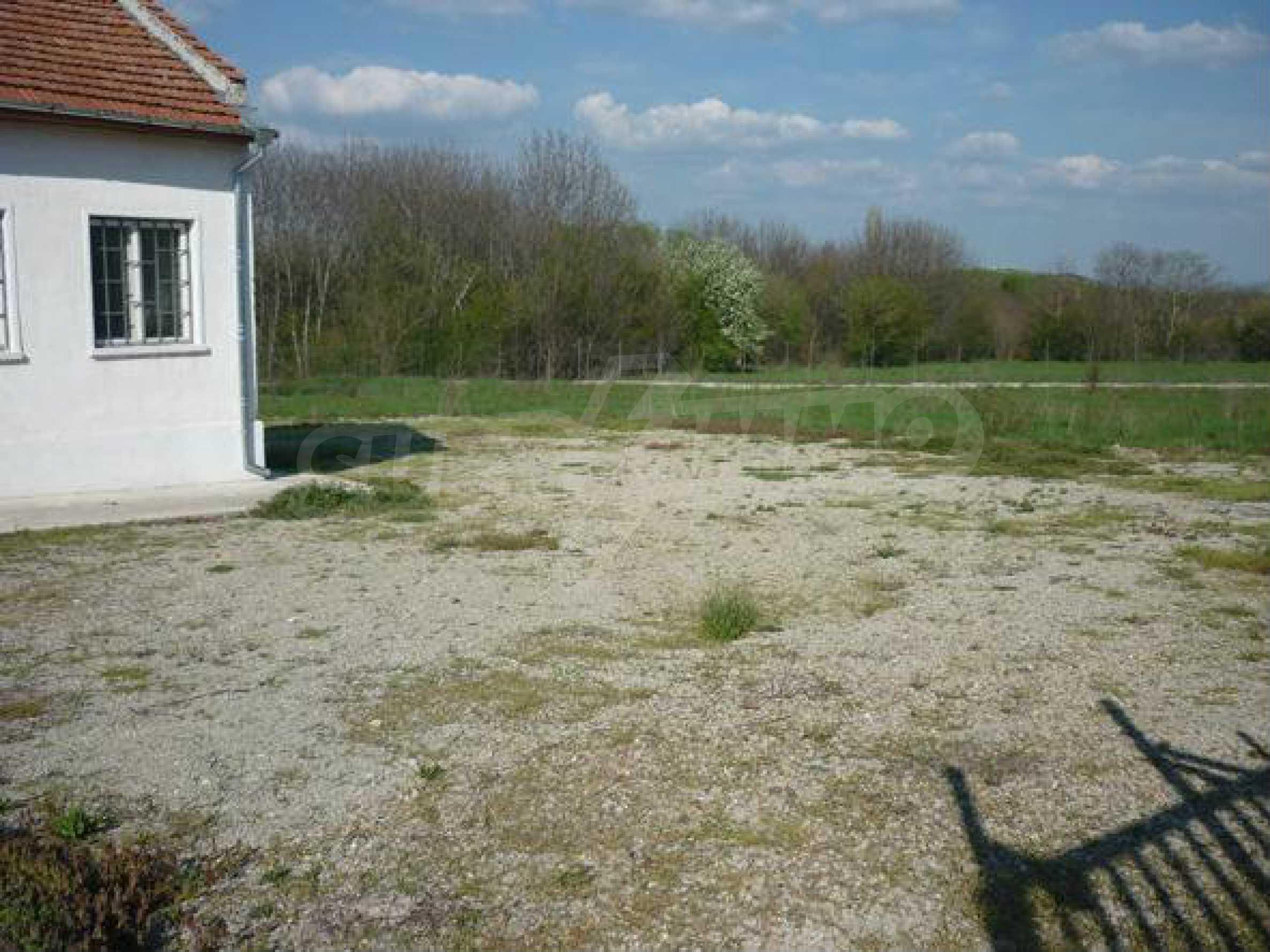 Industriegelände in einem Dorf 6 km von der Stadt Lovech entfernt 4