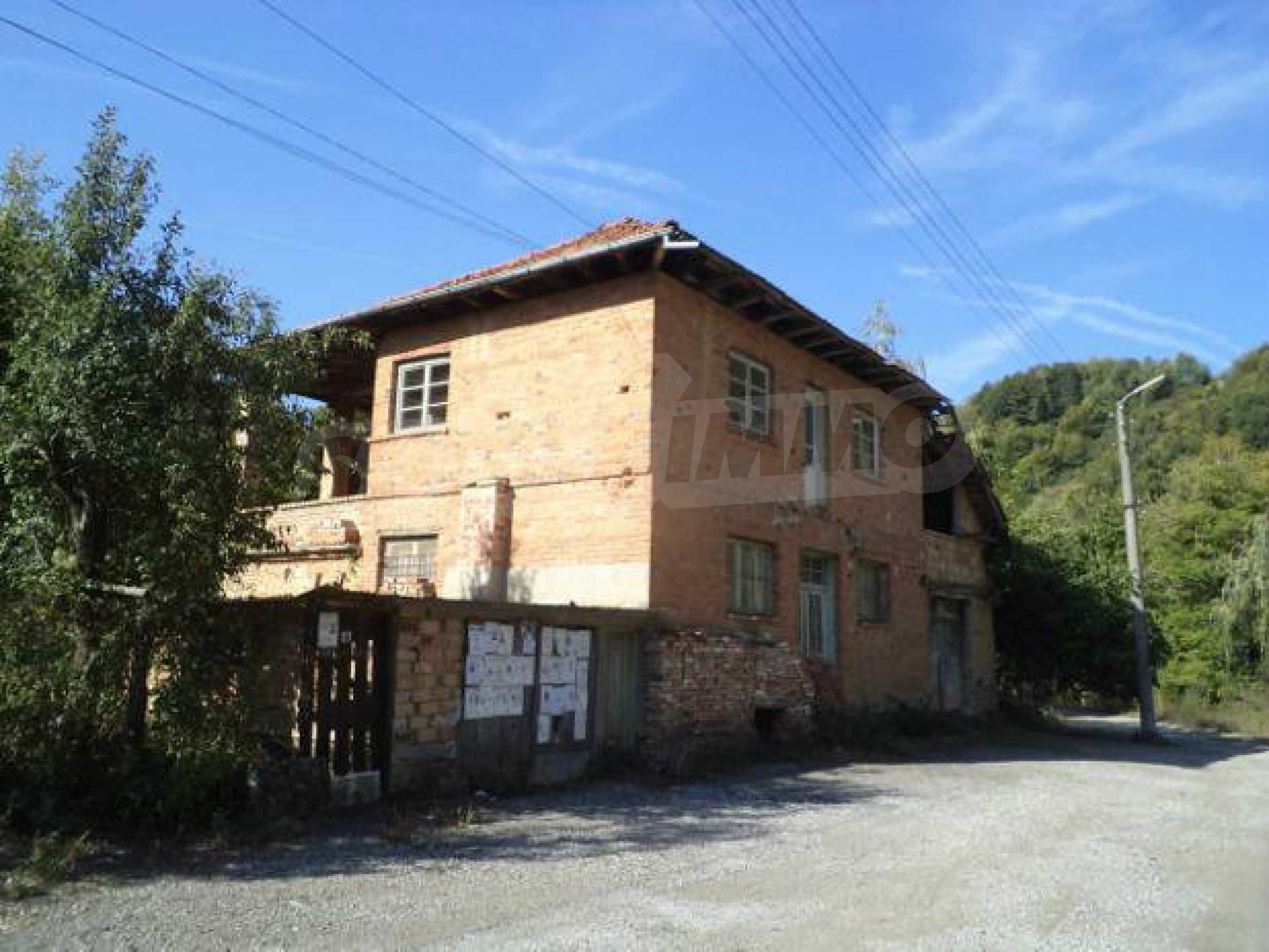 Spacious house near Elena 2