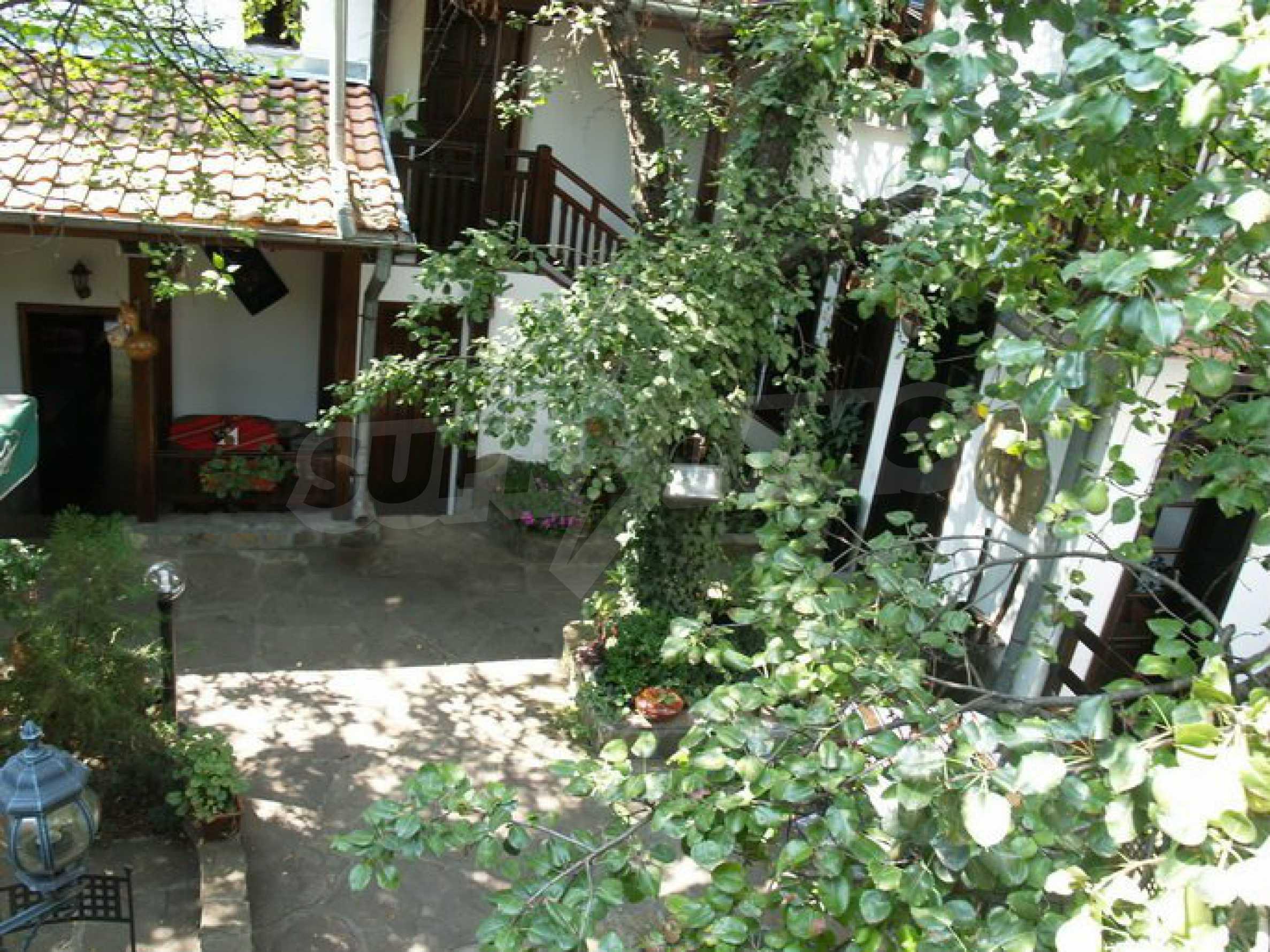 Hotelanlage mit Restaurant am Ufer des Flusses Osam in Lovech 15