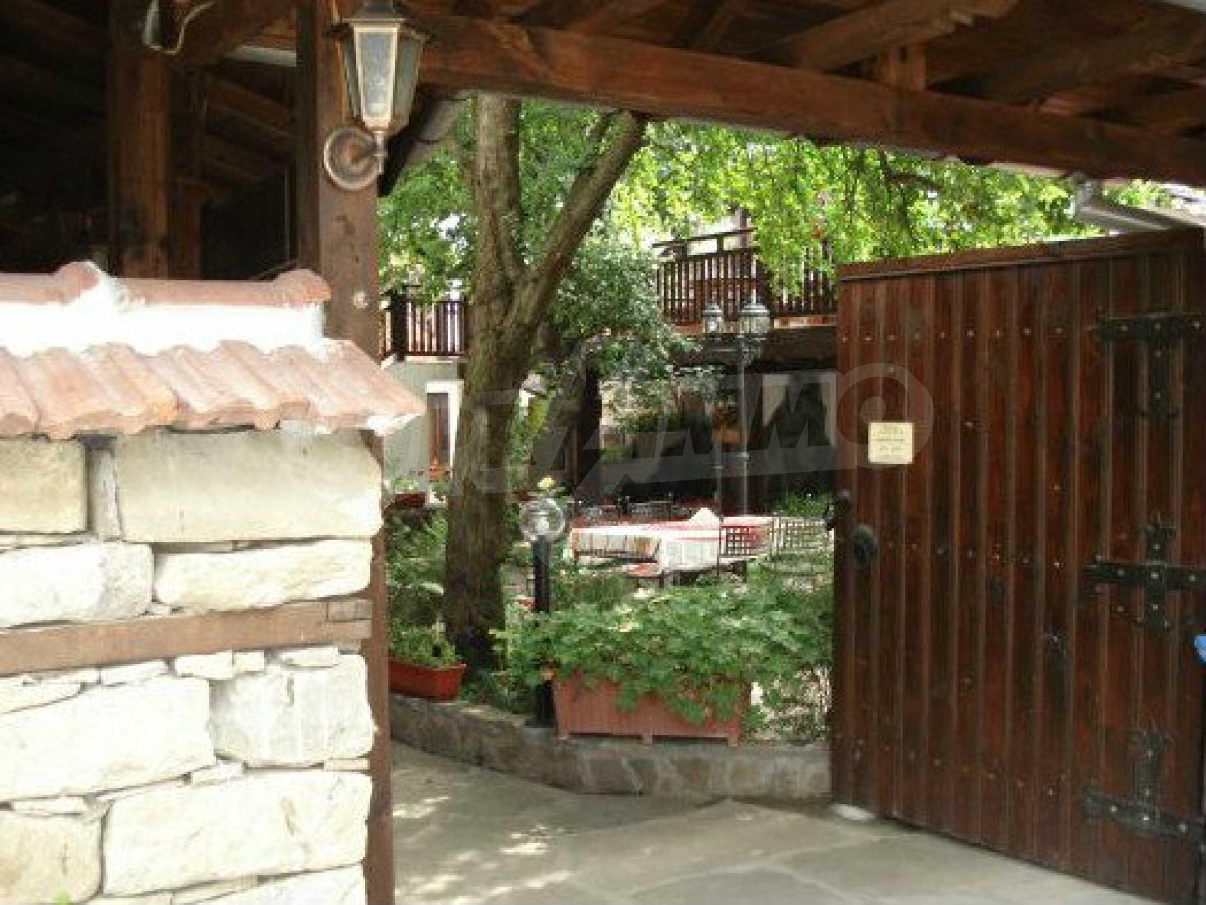 Hotelanlage mit Restaurant am Ufer des Flusses Osam in Lovech 52