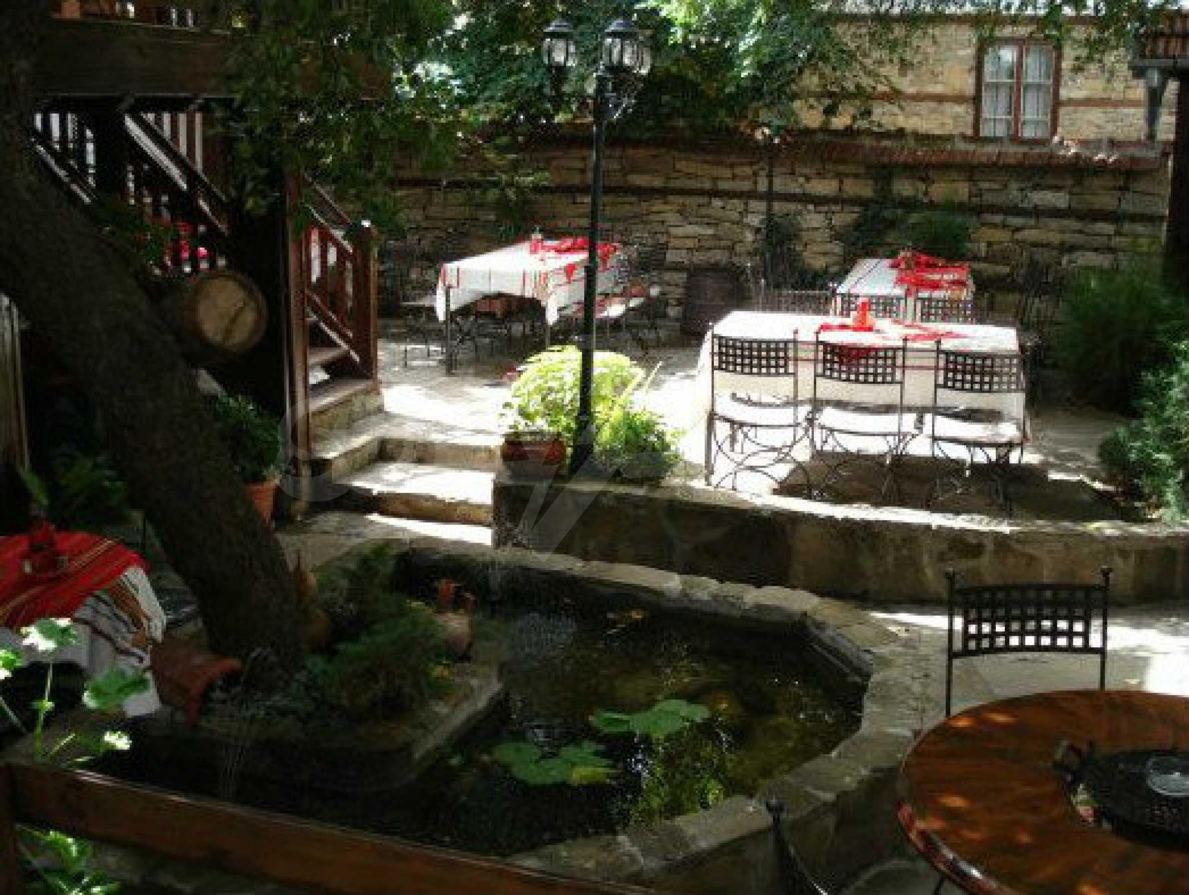 Hotelanlage mit Restaurant am Ufer des Flusses Osam in Lovech 62