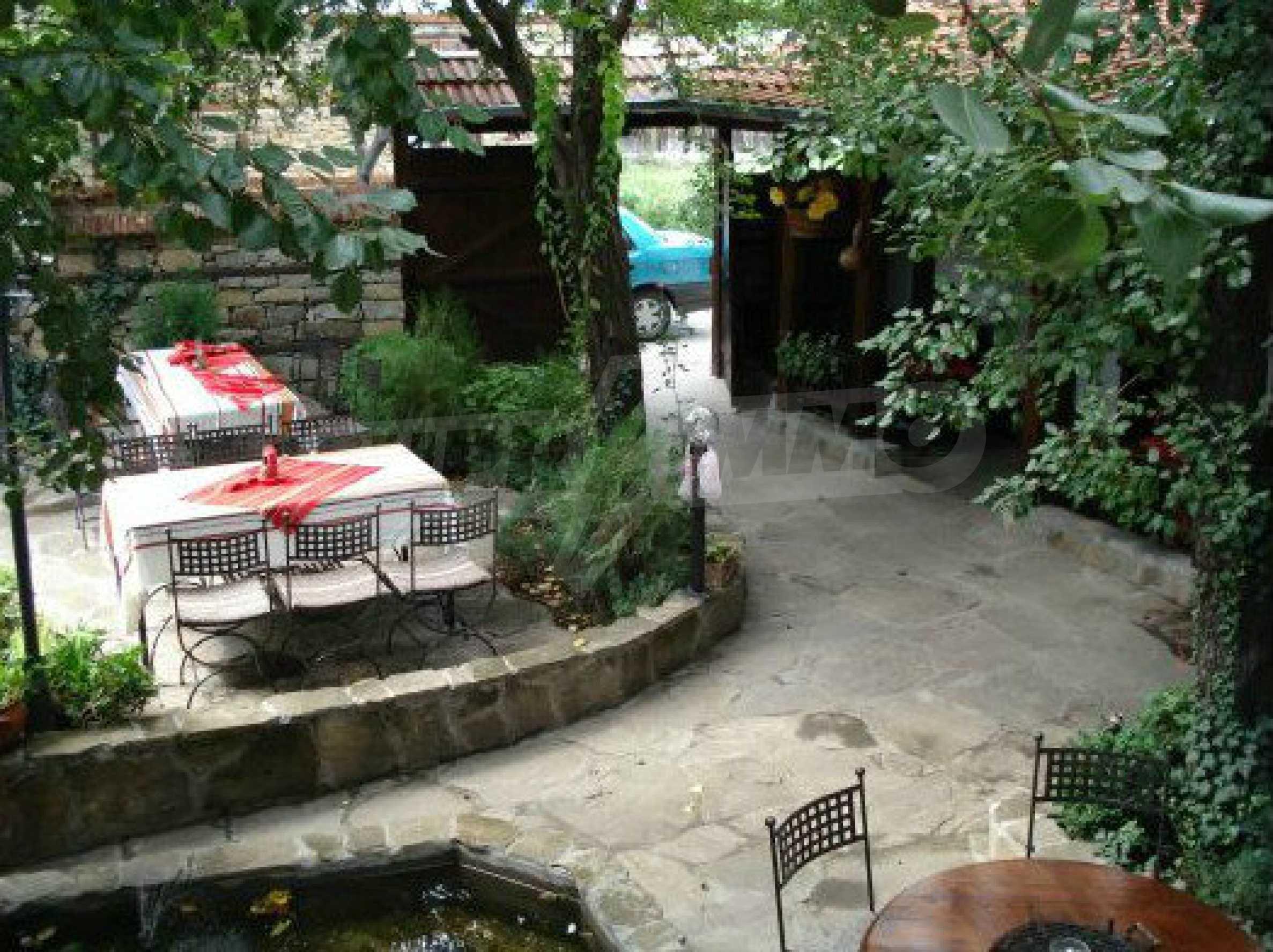 Hotelanlage mit Restaurant am Ufer des Flusses Osam in Lovech 63