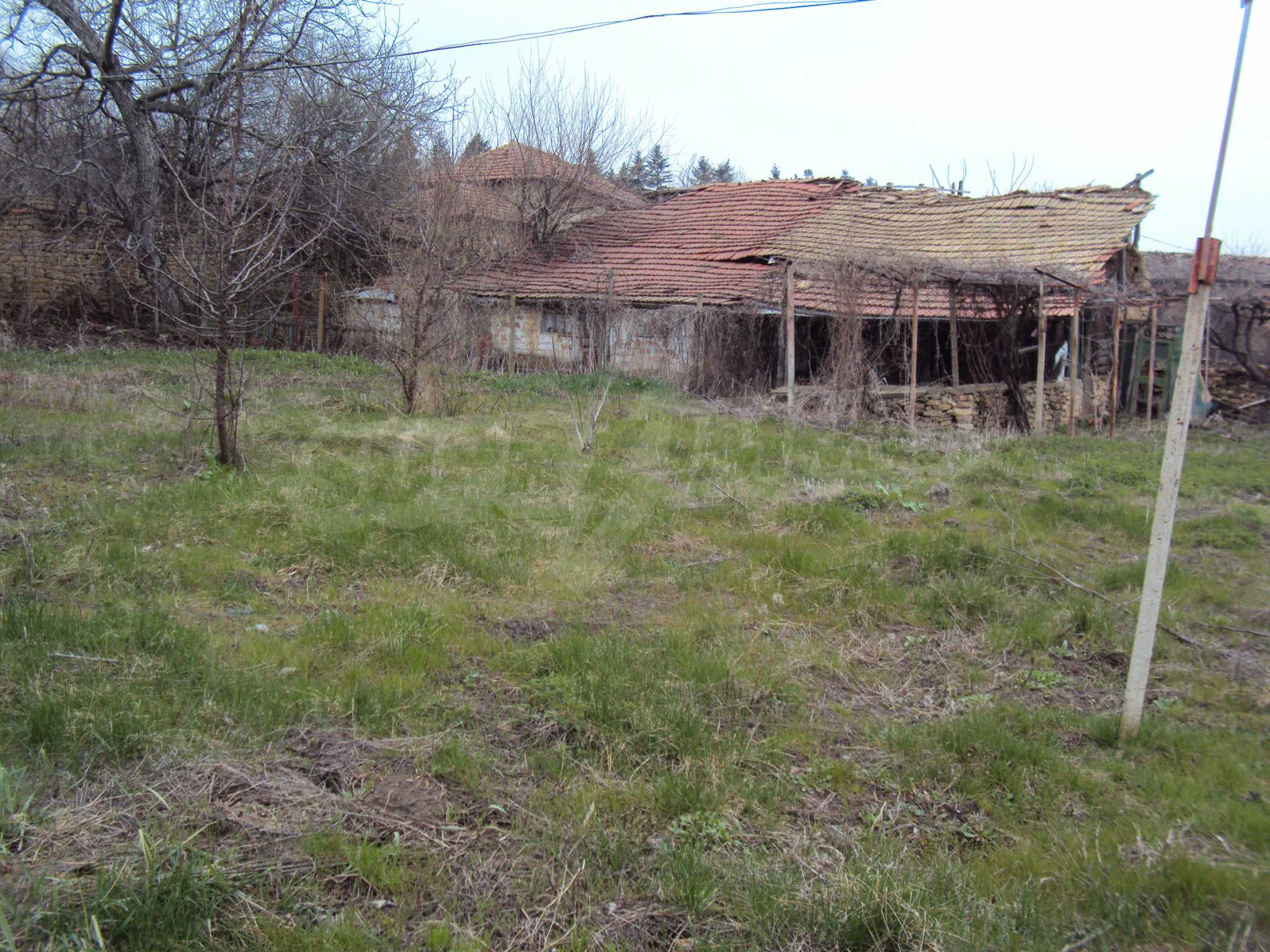 Brick house in a village located 8 km from Pavlikeni 6