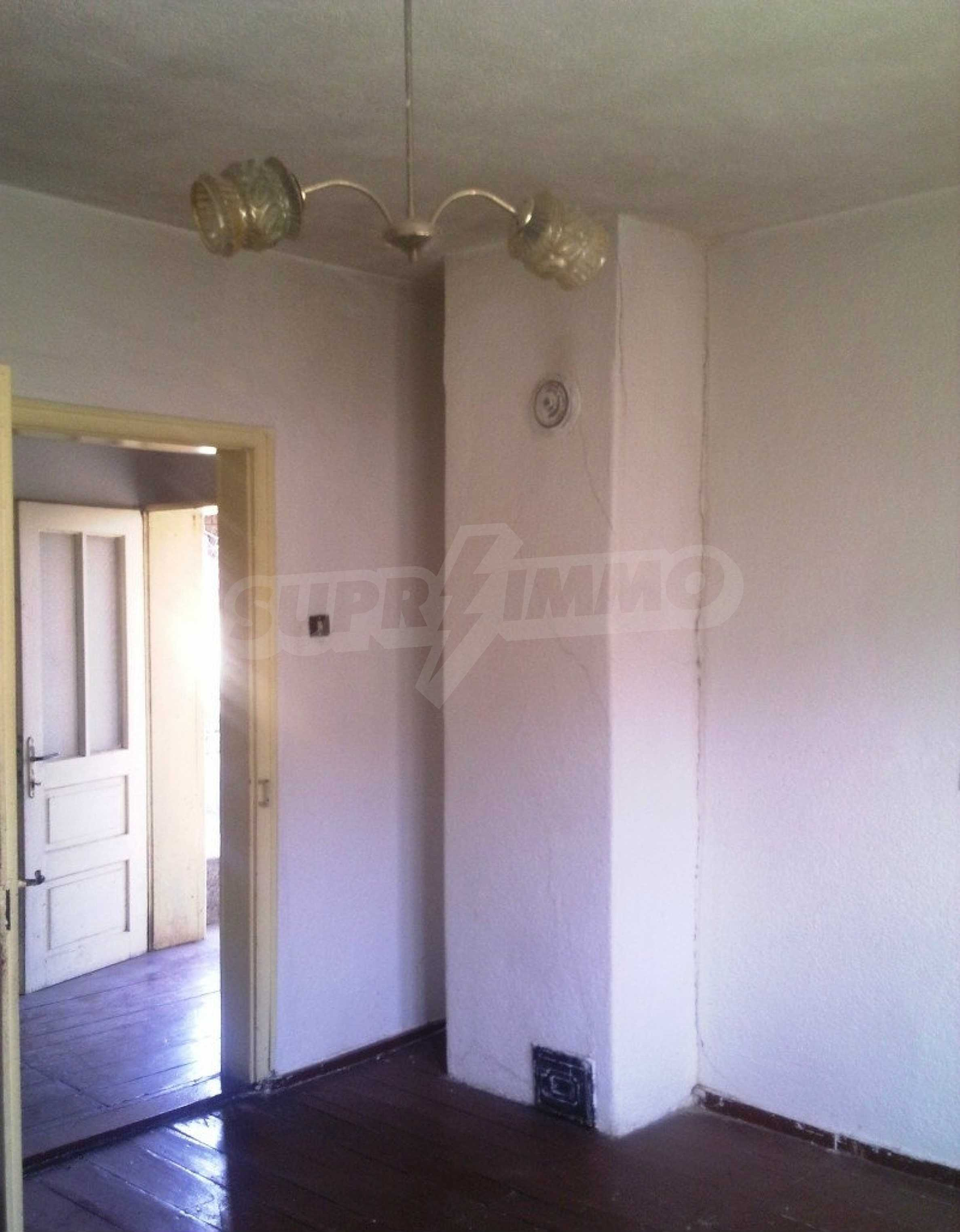 Large brick-built house located in a village 22 km from the town of Apriltsi 10