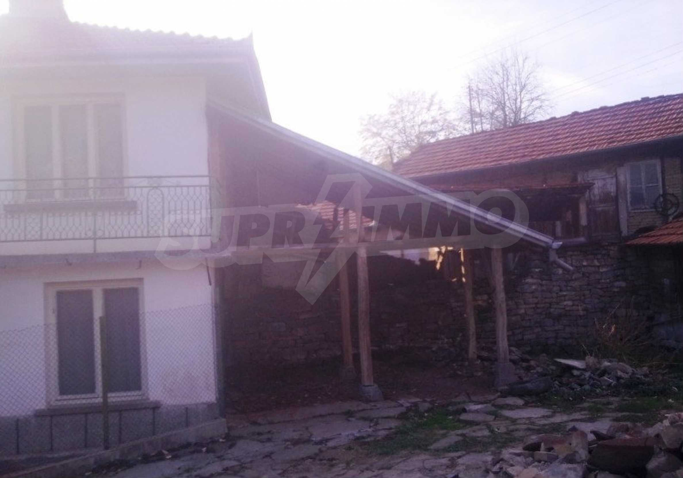 Large brick-built house located in a village 22 km from the town of Apriltsi 13