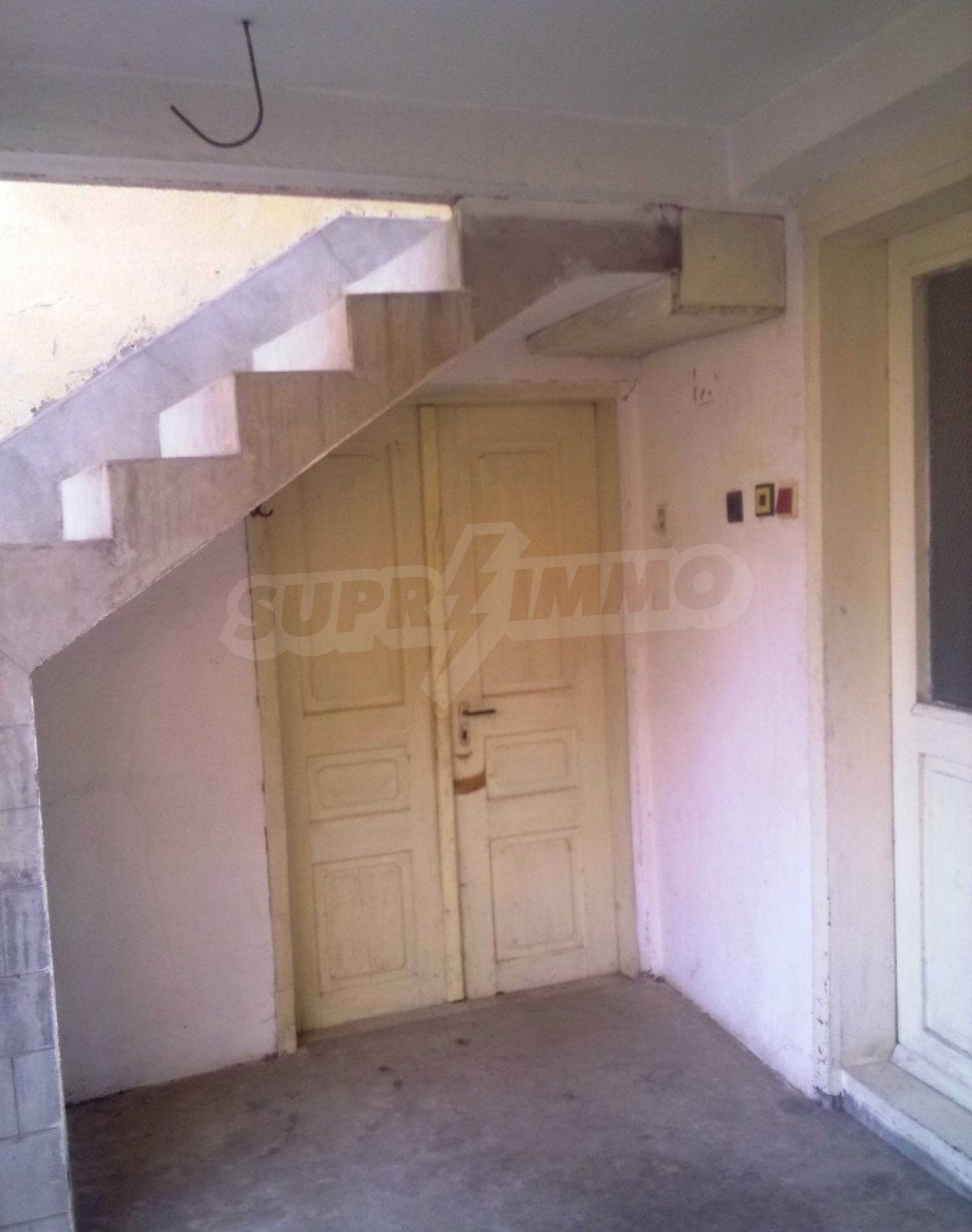 Large brick-built house located in a village 22 km from the town of Apriltsi 14