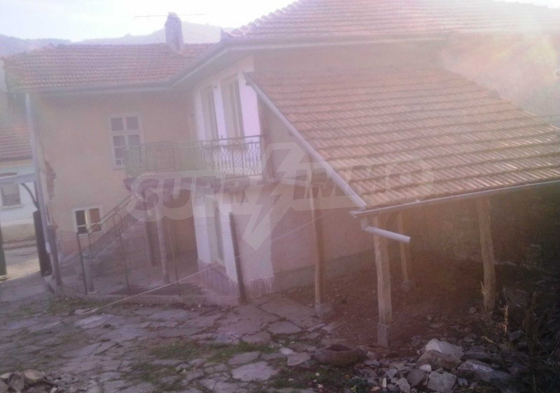 Large brick-built house located in a village 22 km from the town of Apriltsi 16