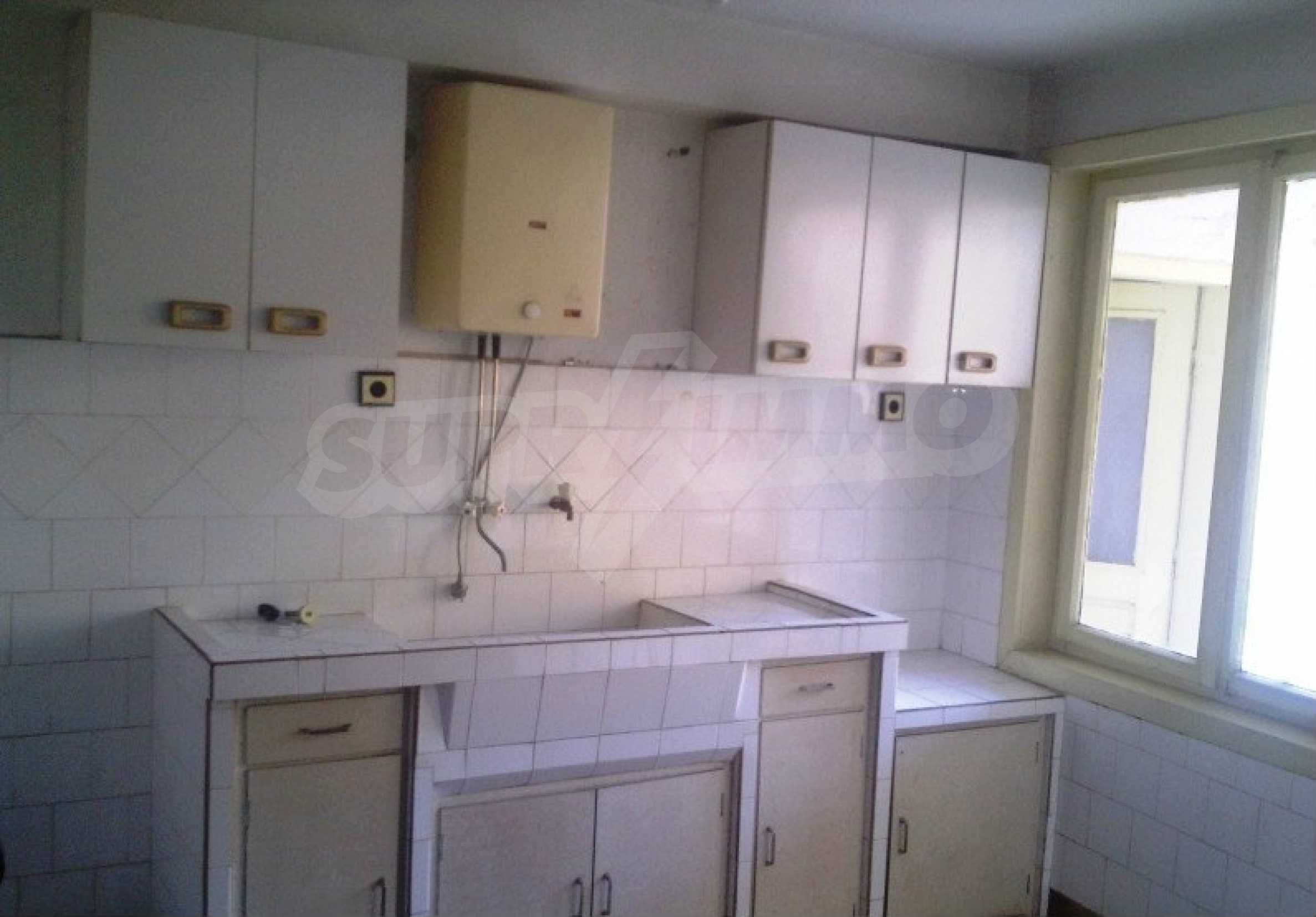 Large brick-built house located in a village 22 km from the town of Apriltsi 4