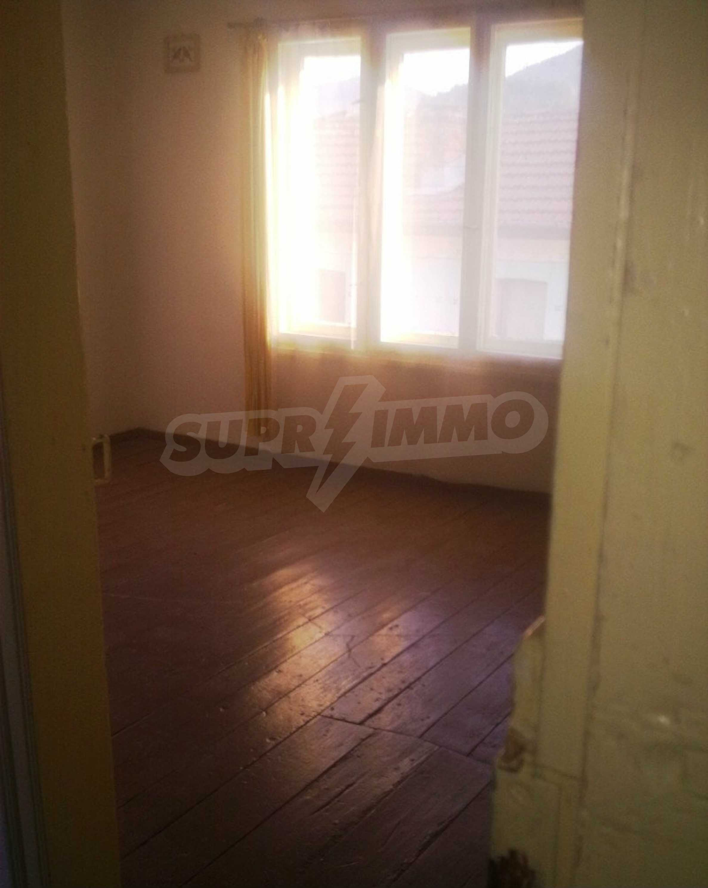 Large brick-built house located in a village 22 km from the town of Apriltsi 8