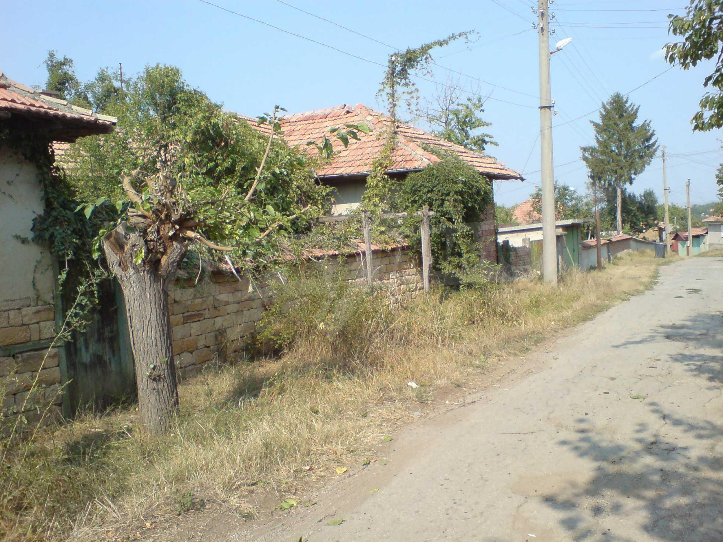 Einstöckiges Backsteinhaus 40 km. von Veliko Tarnovo 10