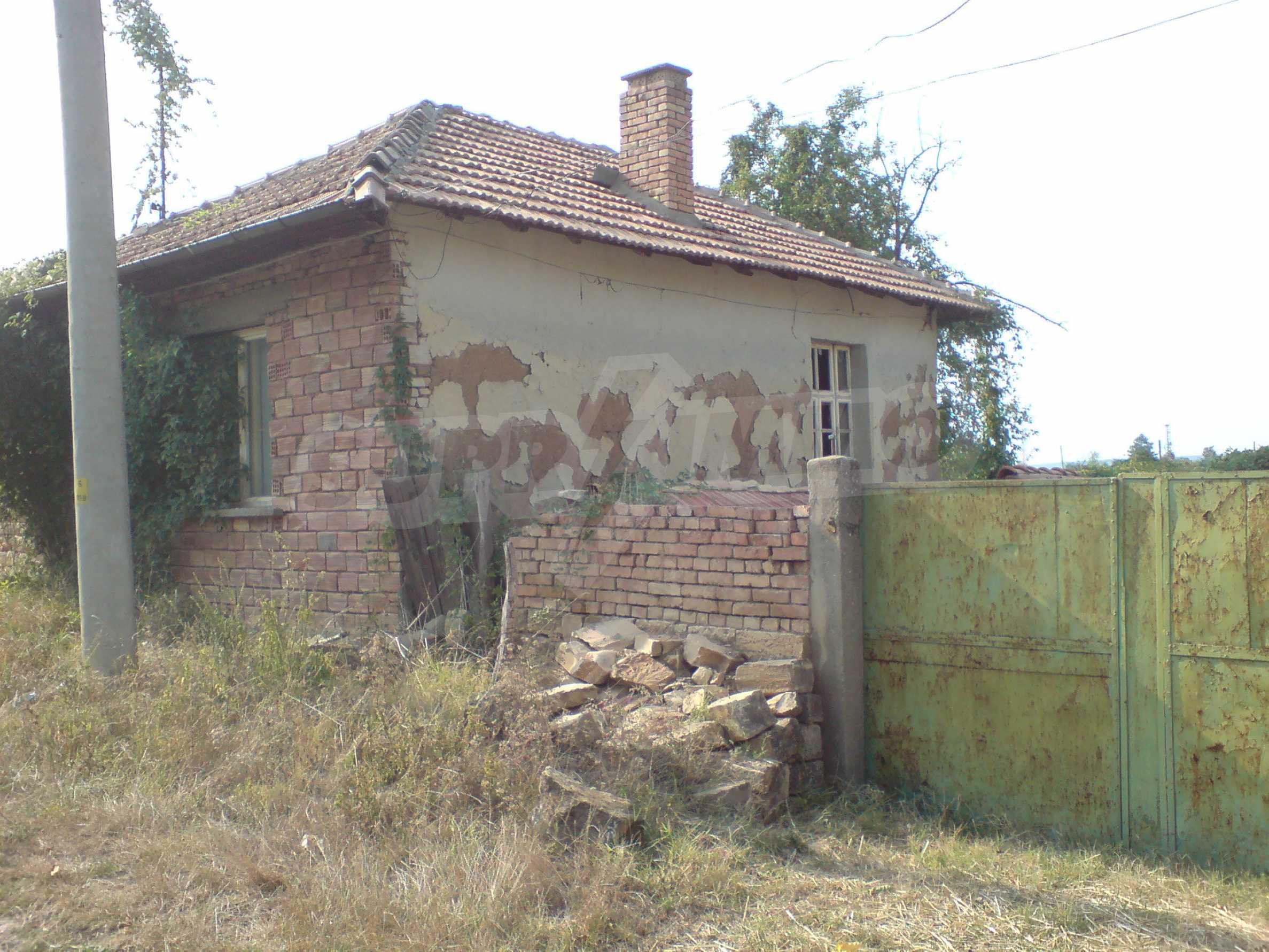 Einstöckiges Backsteinhaus 40 km. von Veliko Tarnovo 1