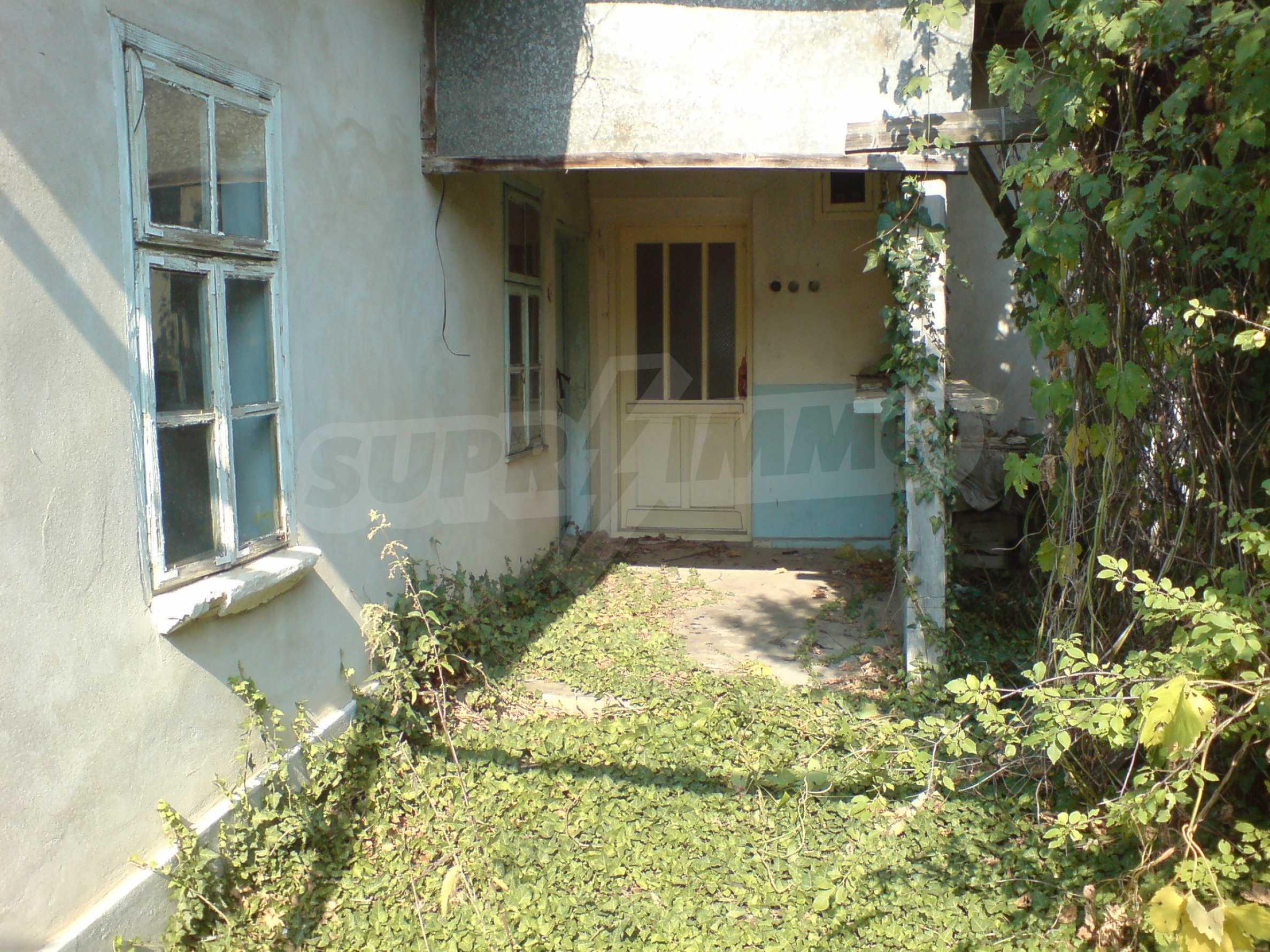 Einstöckiges Backsteinhaus 40 km. von Veliko Tarnovo 2