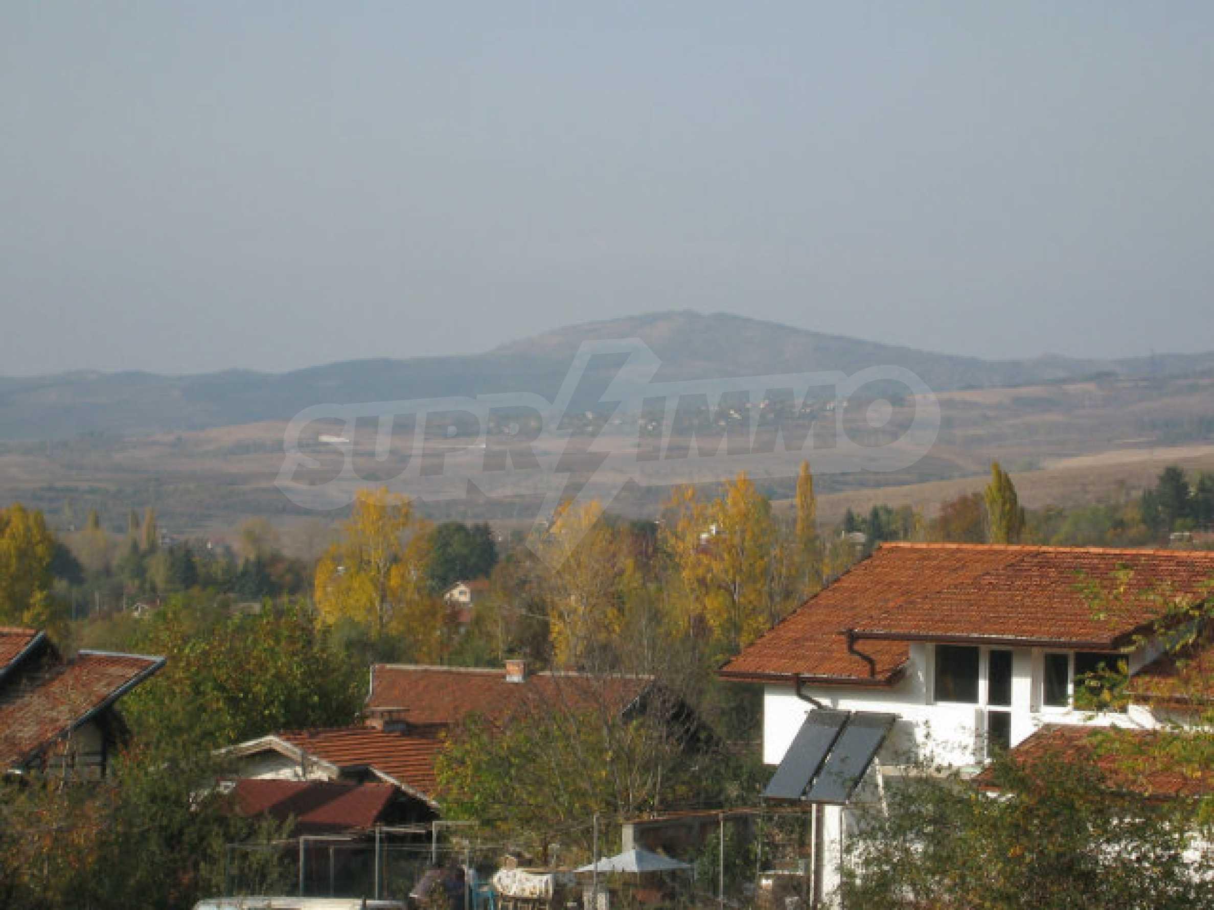 Reguliertes Grundstück im Zentrum eines malerischen Dorfes in der Nähe von Pernik und Sofia 12