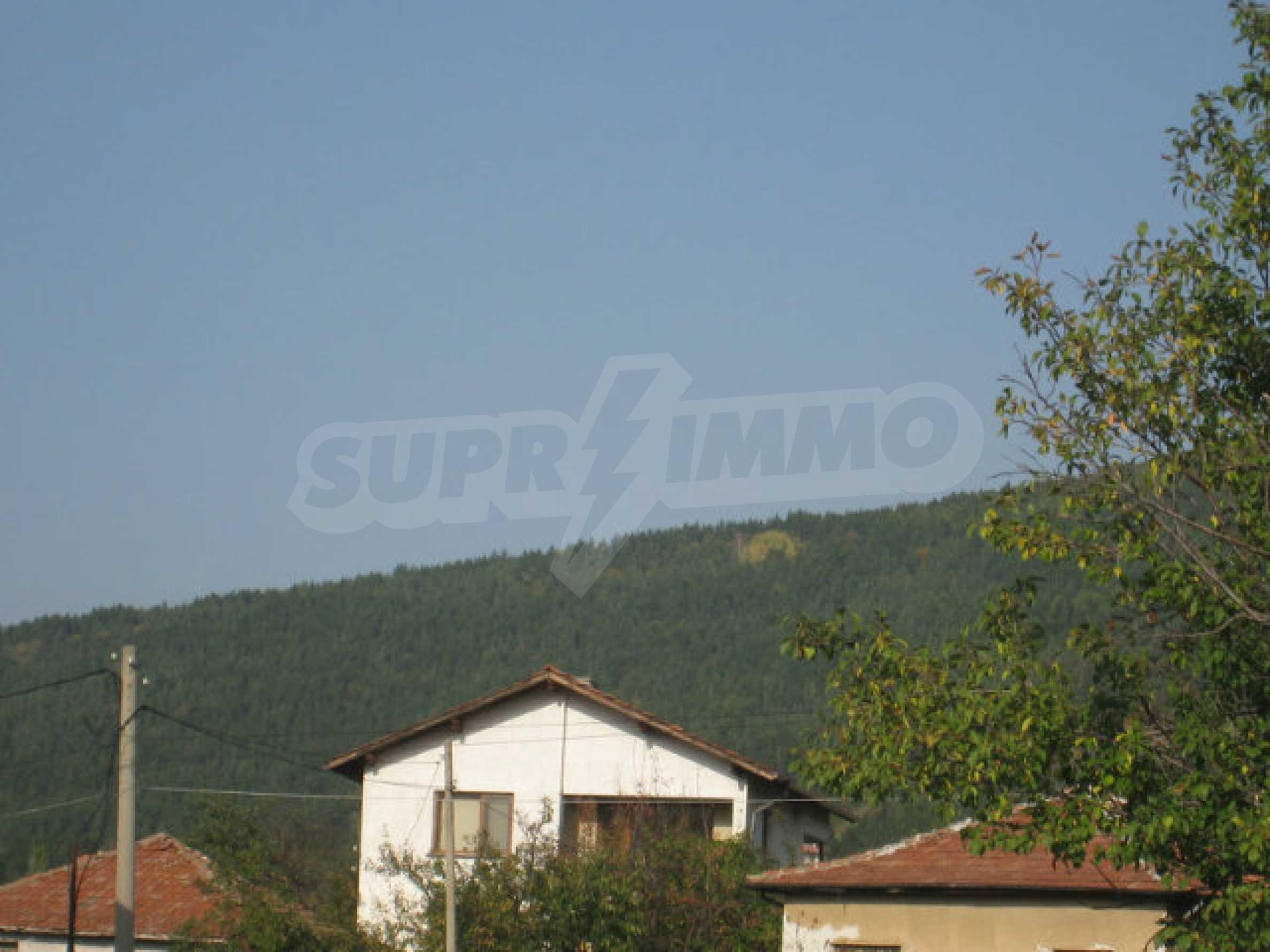 Reguliertes Grundstück im Zentrum eines malerischen Dorfes in der Nähe von Pernik und Sofia 14