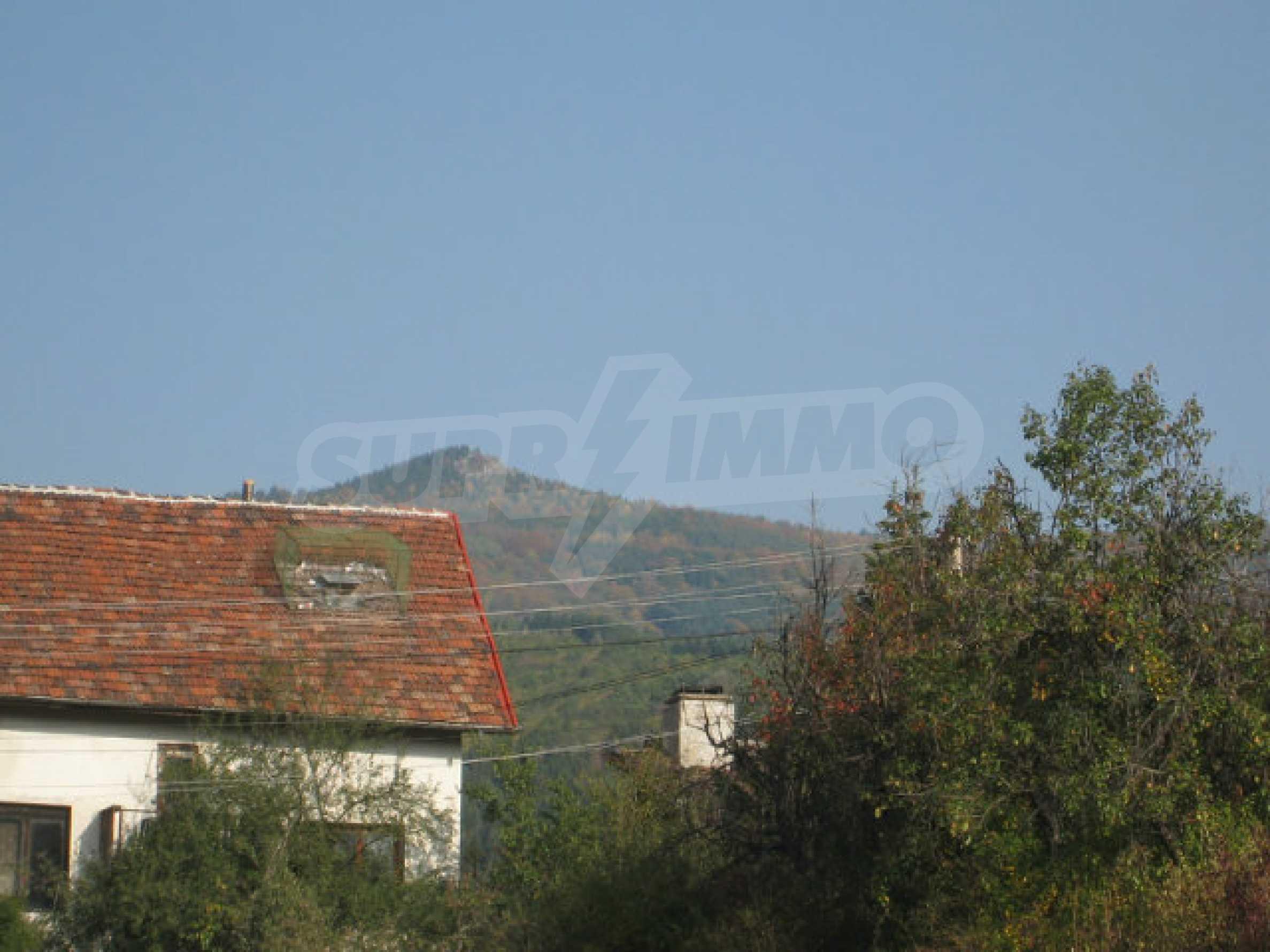 Reguliertes Grundstück im Zentrum eines malerischen Dorfes in der Nähe von Pernik und Sofia 16