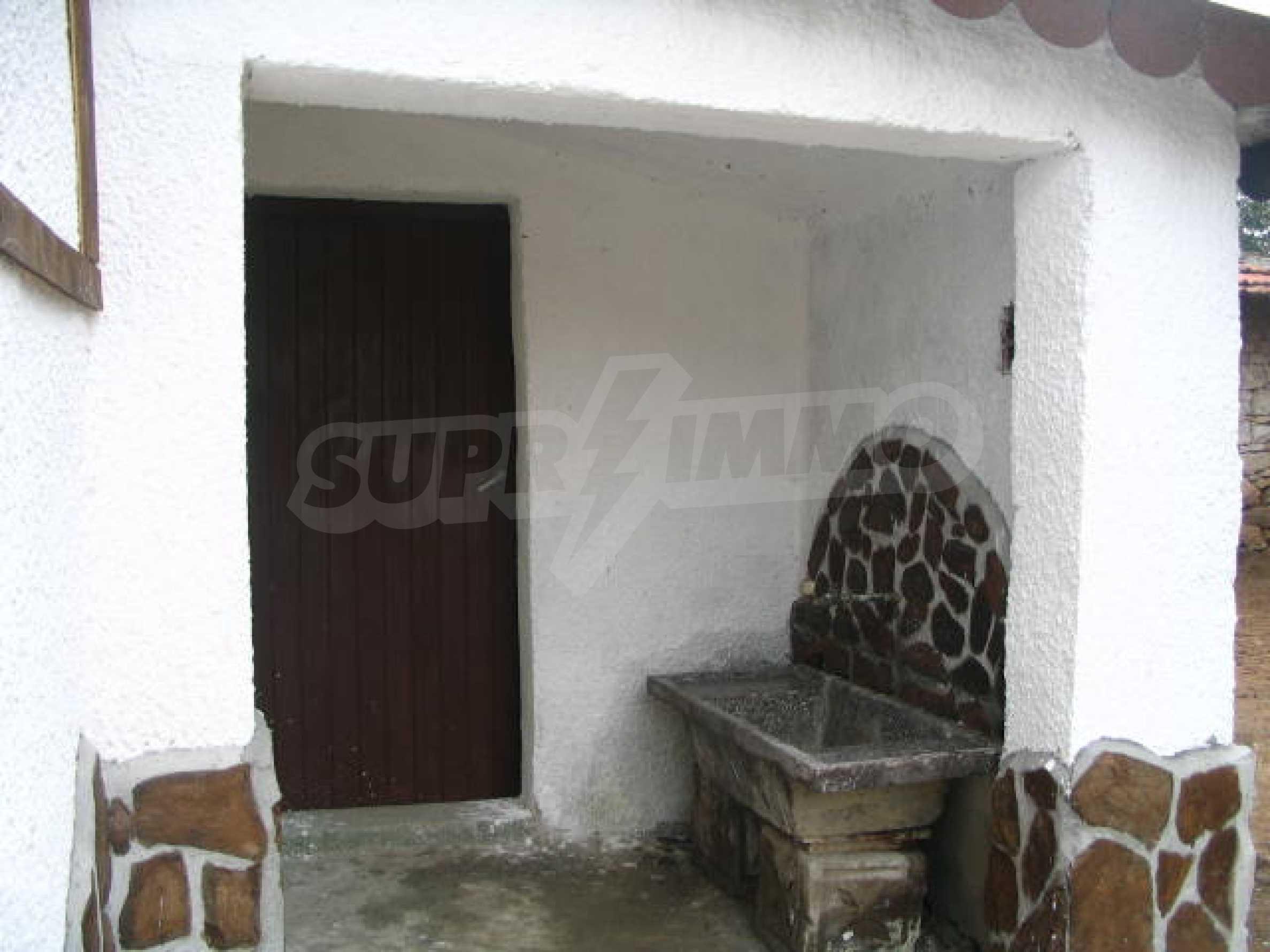 Красива къща в малко селце в близост до град Елхово 19