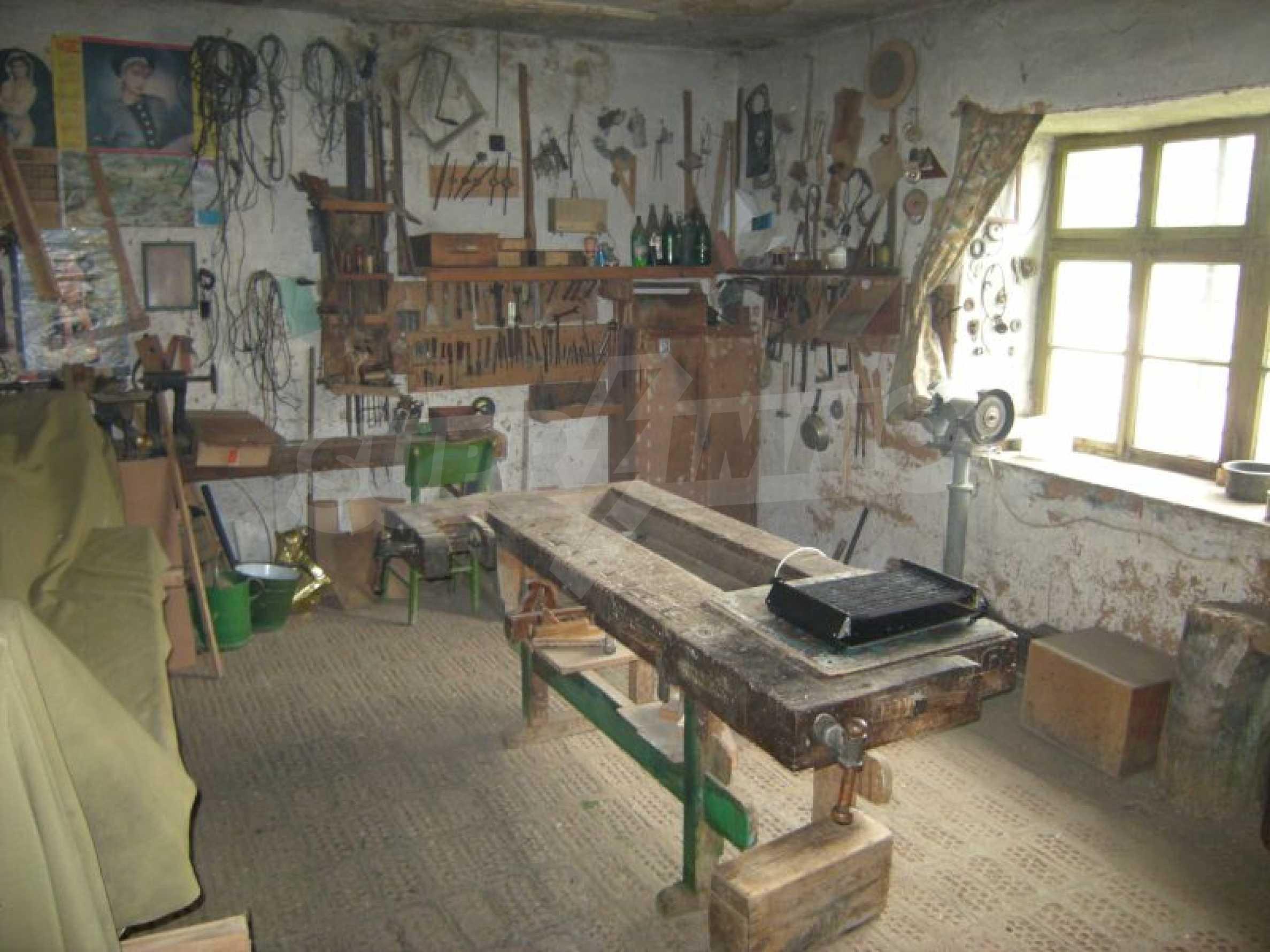 Къща за продан близо до Хасково 10