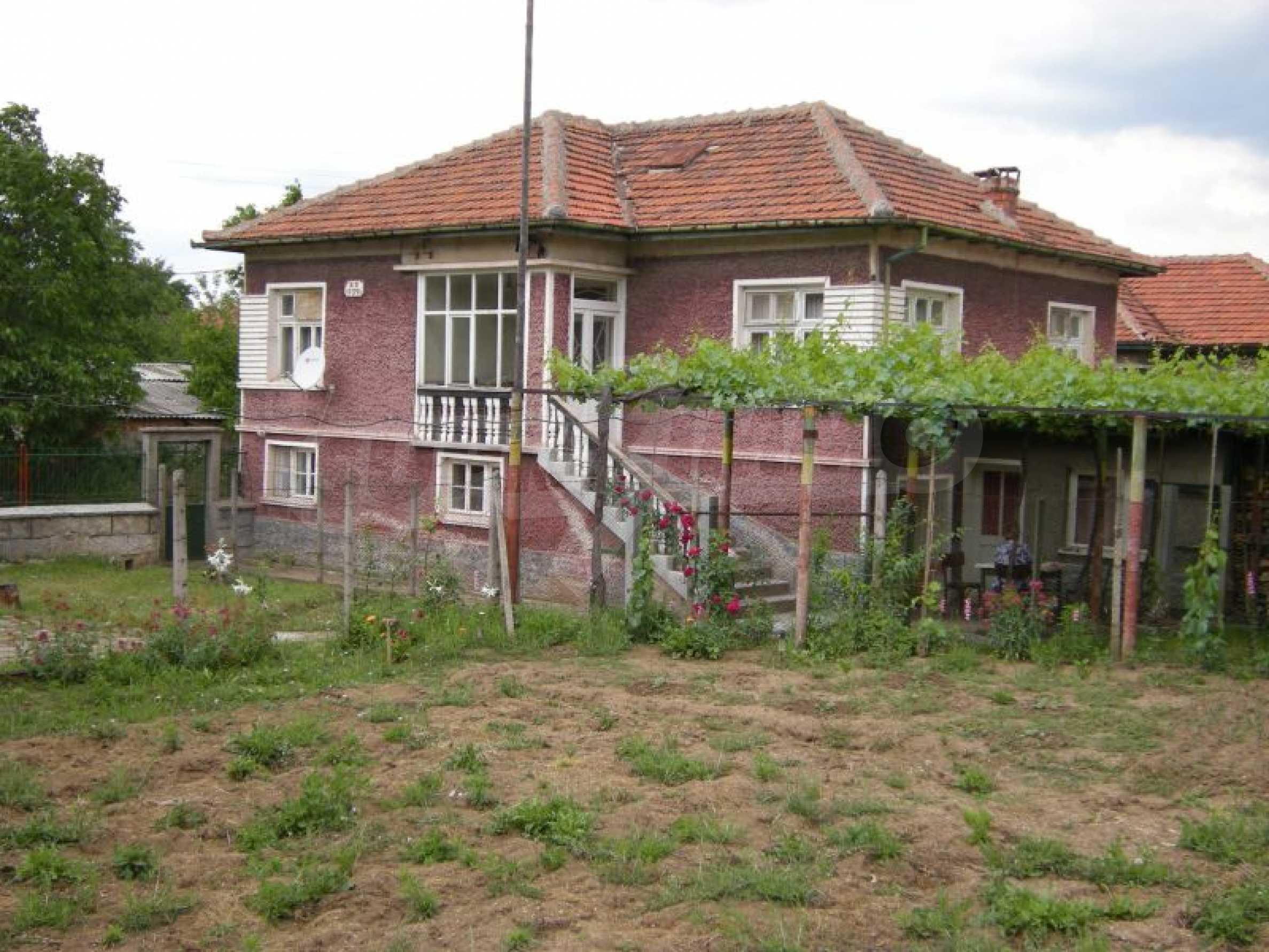 Къща за продан близо до Хасково 1