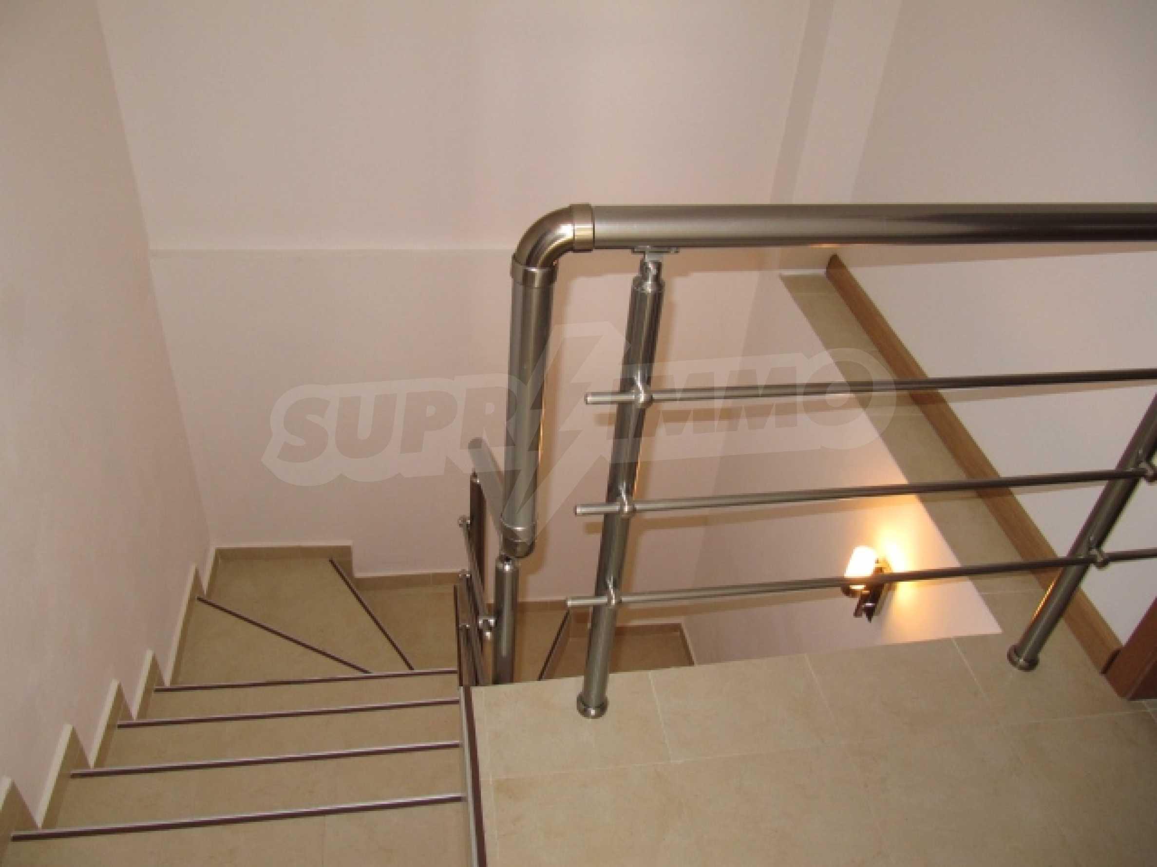 Трехкомнатная квартира на продажу в горнолыжном курорте Пампорово 9