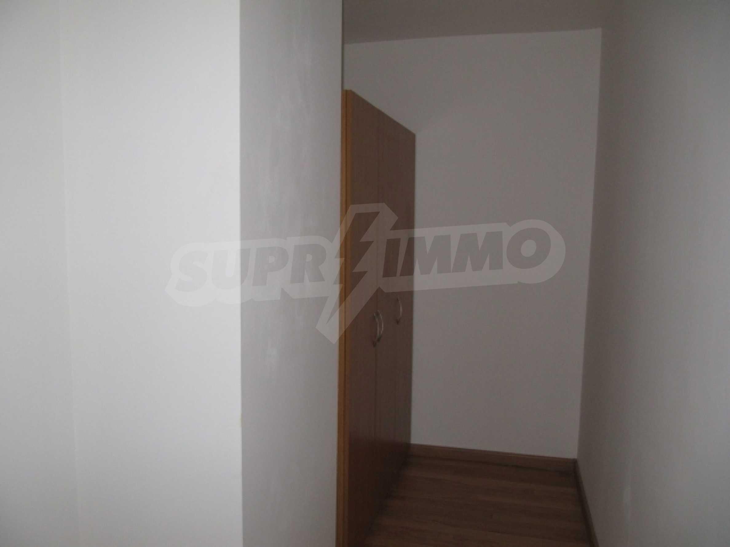 Трехкомнатная квартира на продажу в горнолыжном курорте Пампорово 12