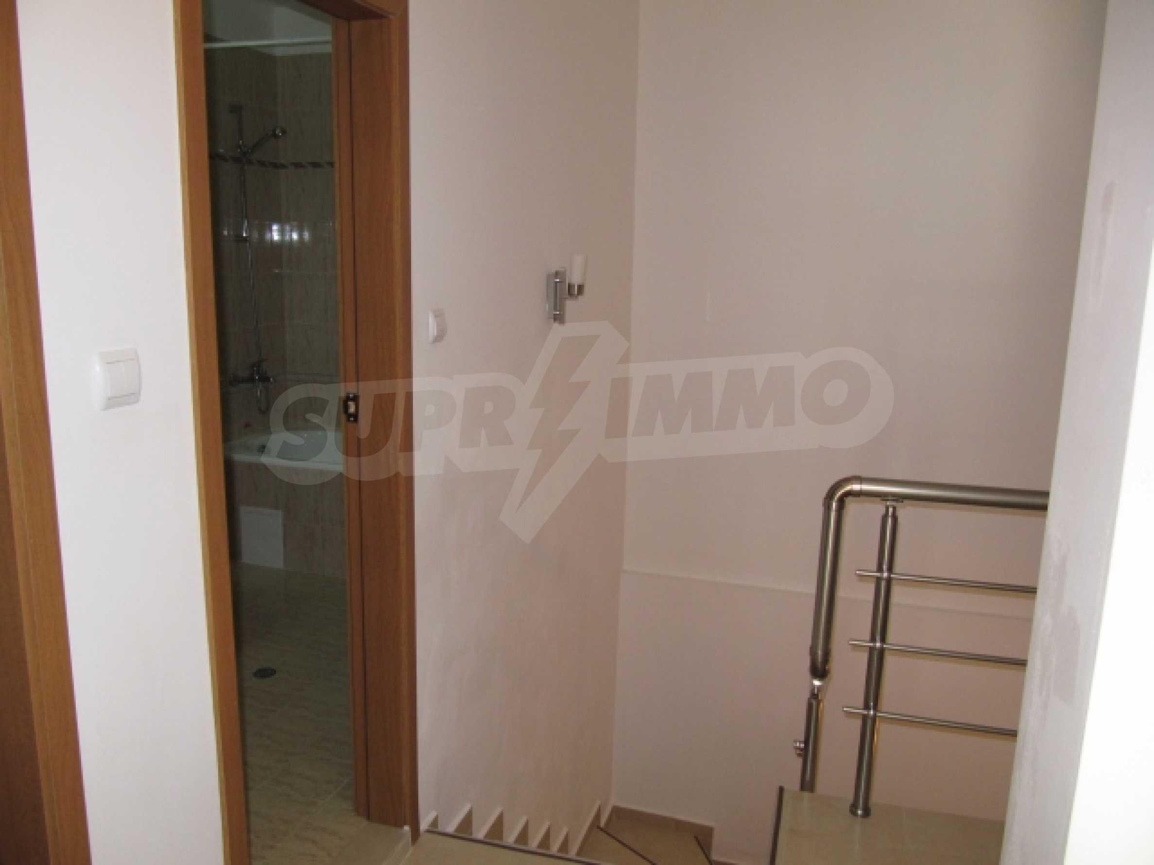 Трехкомнатная квартира на продажу в горнолыжном курорте Пампорово 8