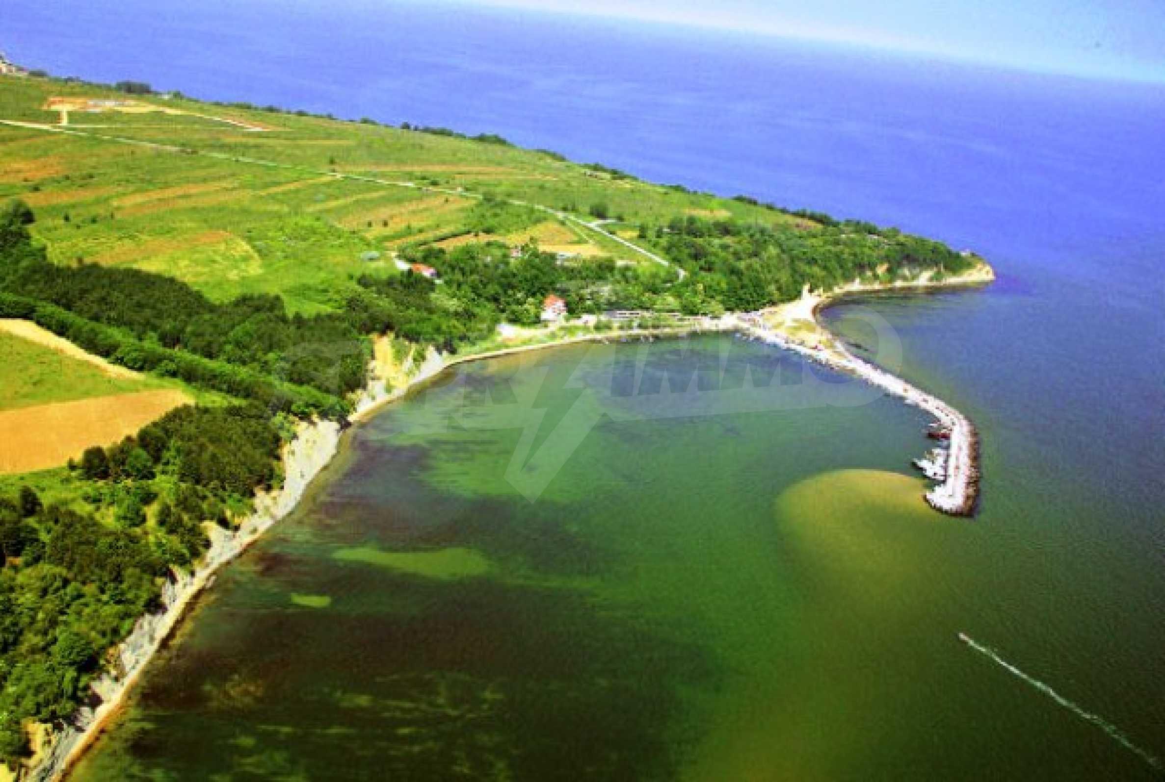Участок на первой линии моря с проектом Biala diamond 2