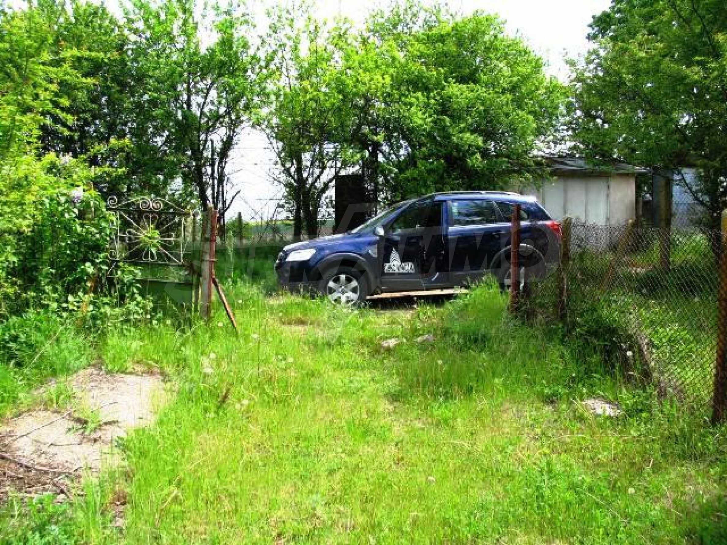 House for sale in Zementsi village near by Romanian border 11