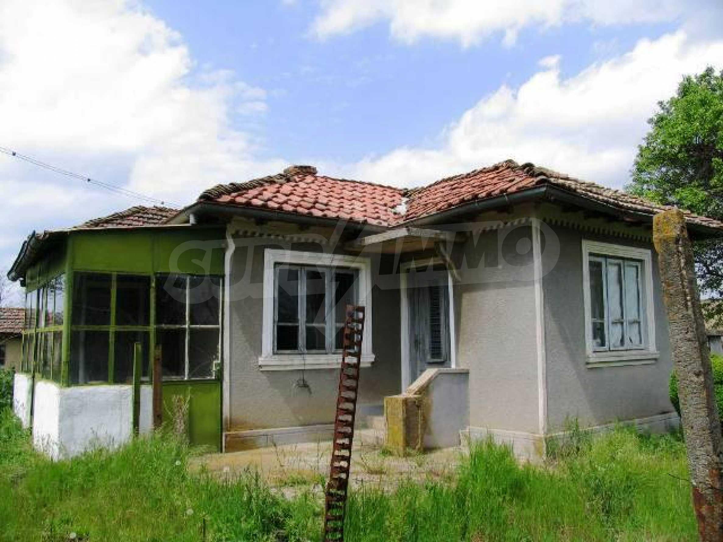 House for sale in Zementsi village near by Romanian border 1