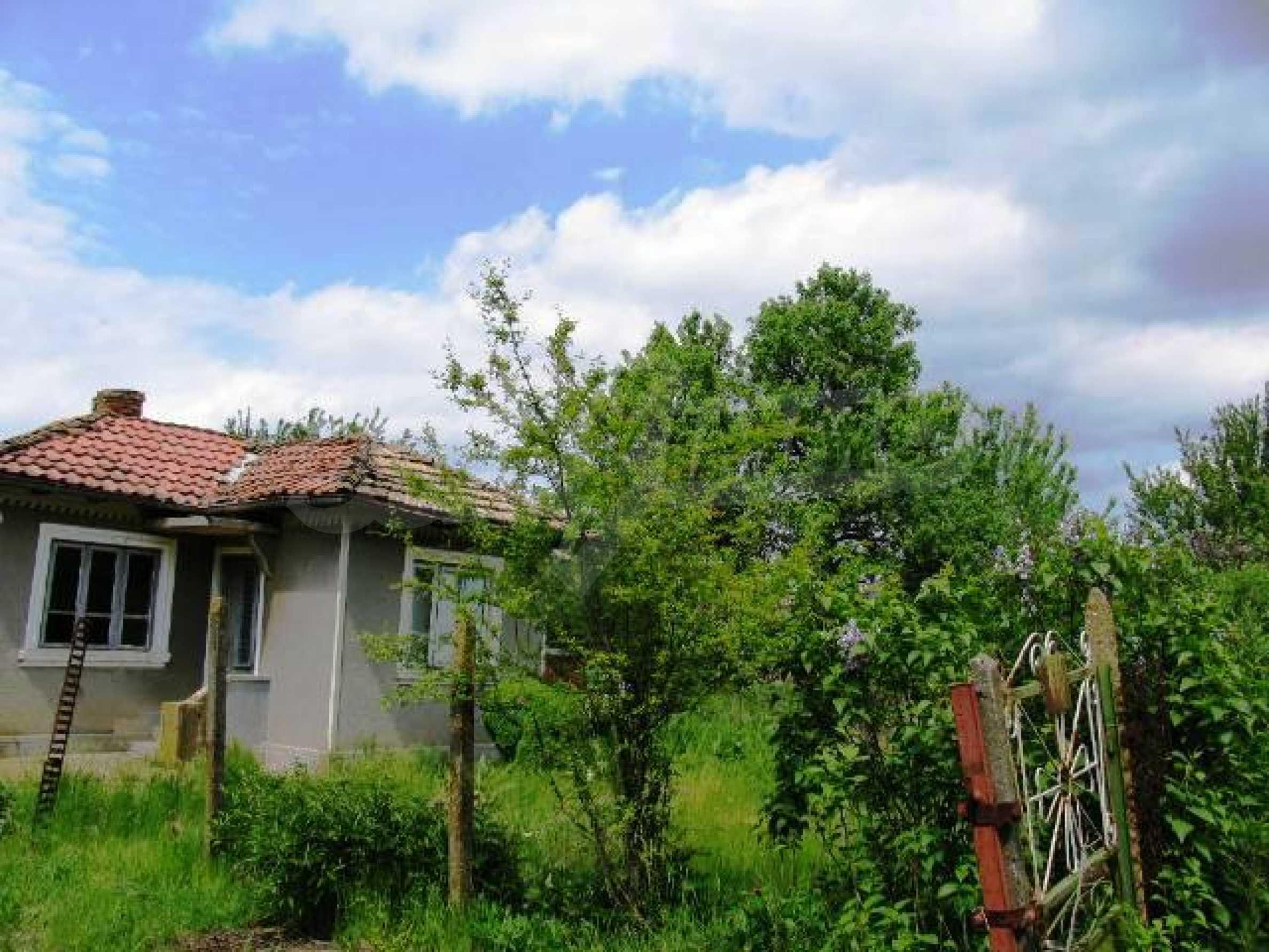 House for sale in Zementsi village near by Romanian border 2