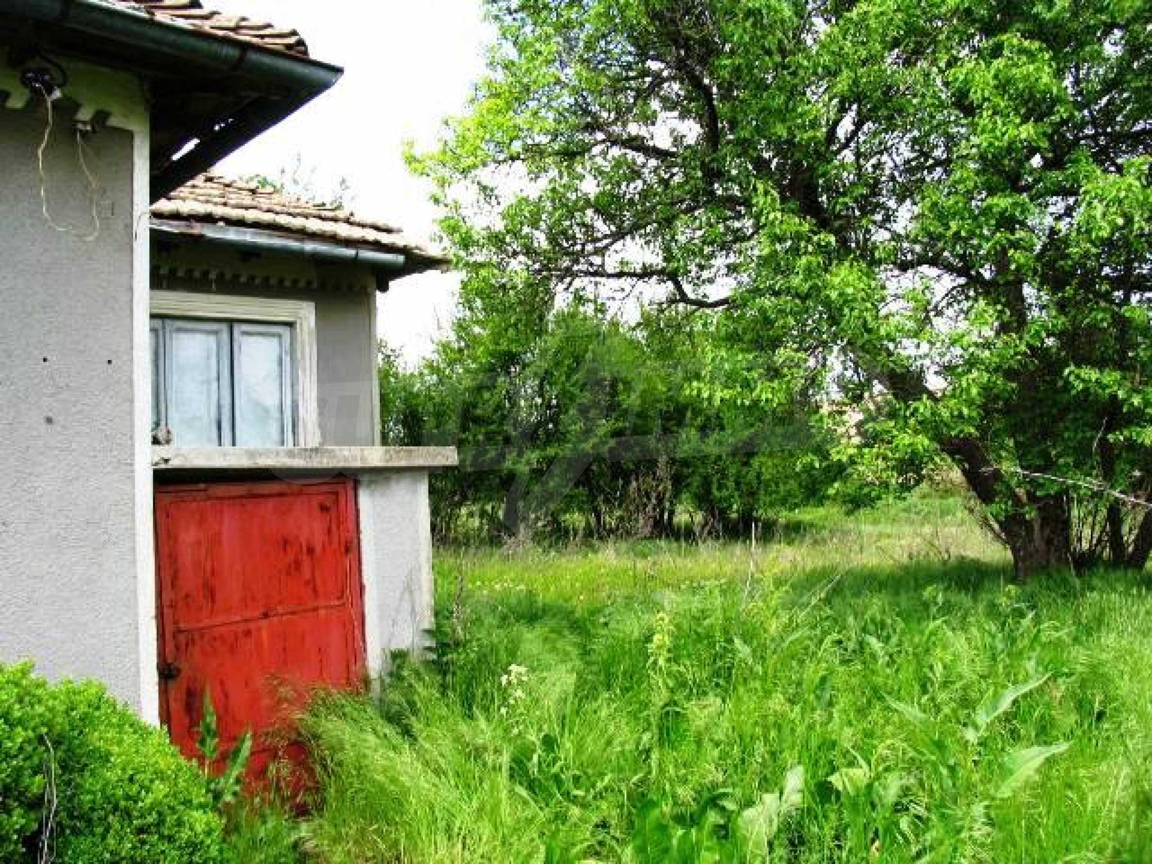 House for sale in Zementsi village near by Romanian border 3