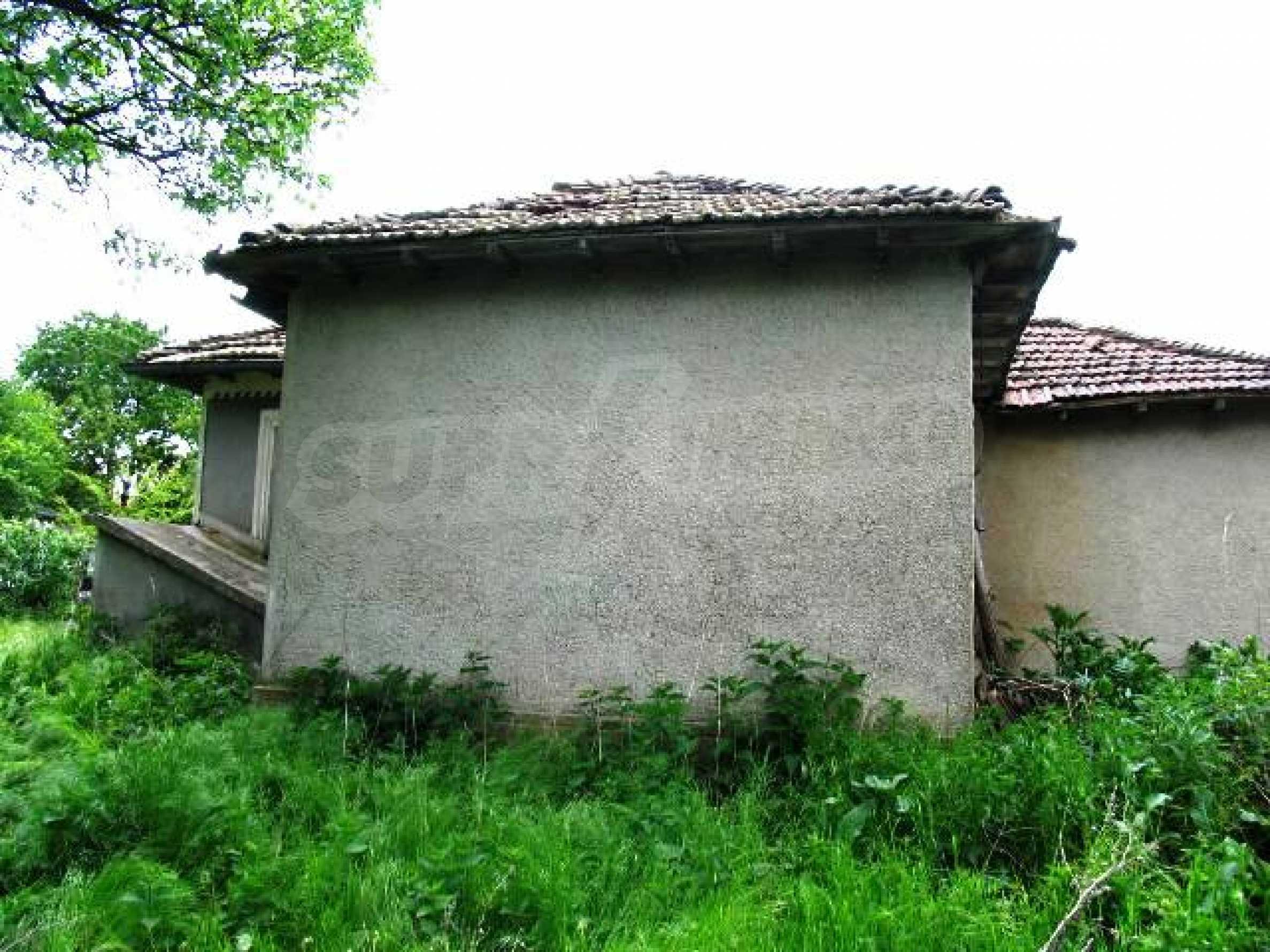 House for sale in Zementsi village near by Romanian border 4