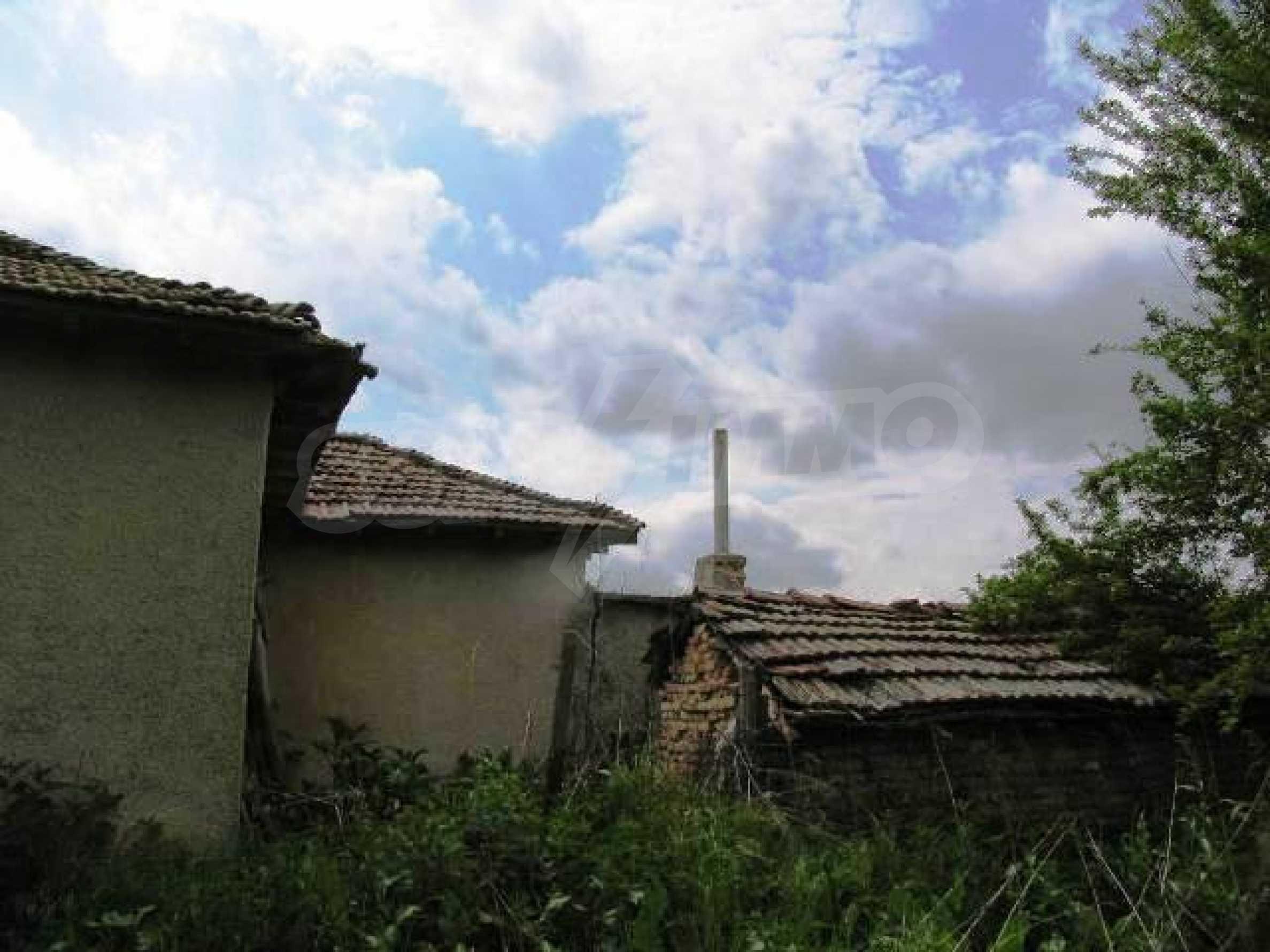 House for sale in Zementsi village near by Romanian border 5