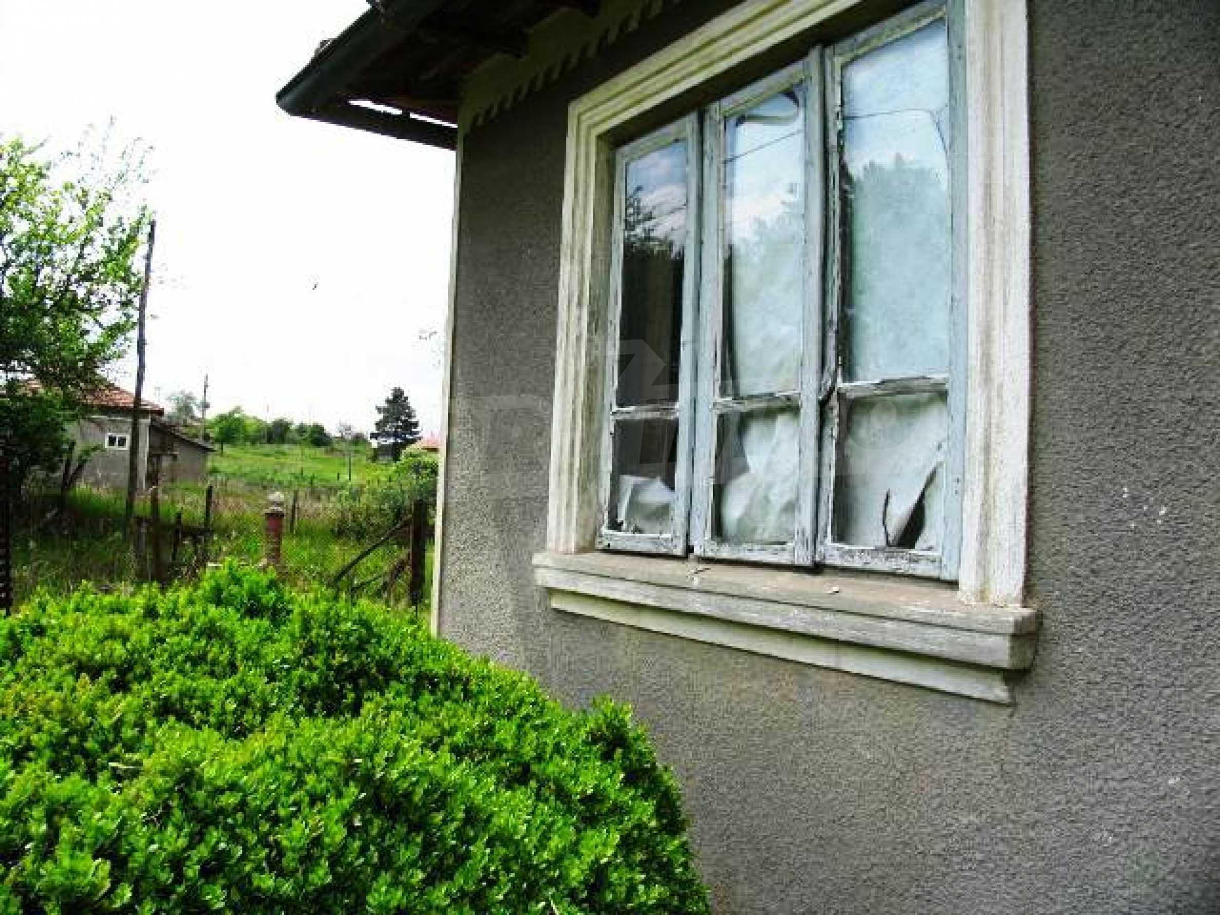 House for sale in Zementsi village near by Romanian border 6