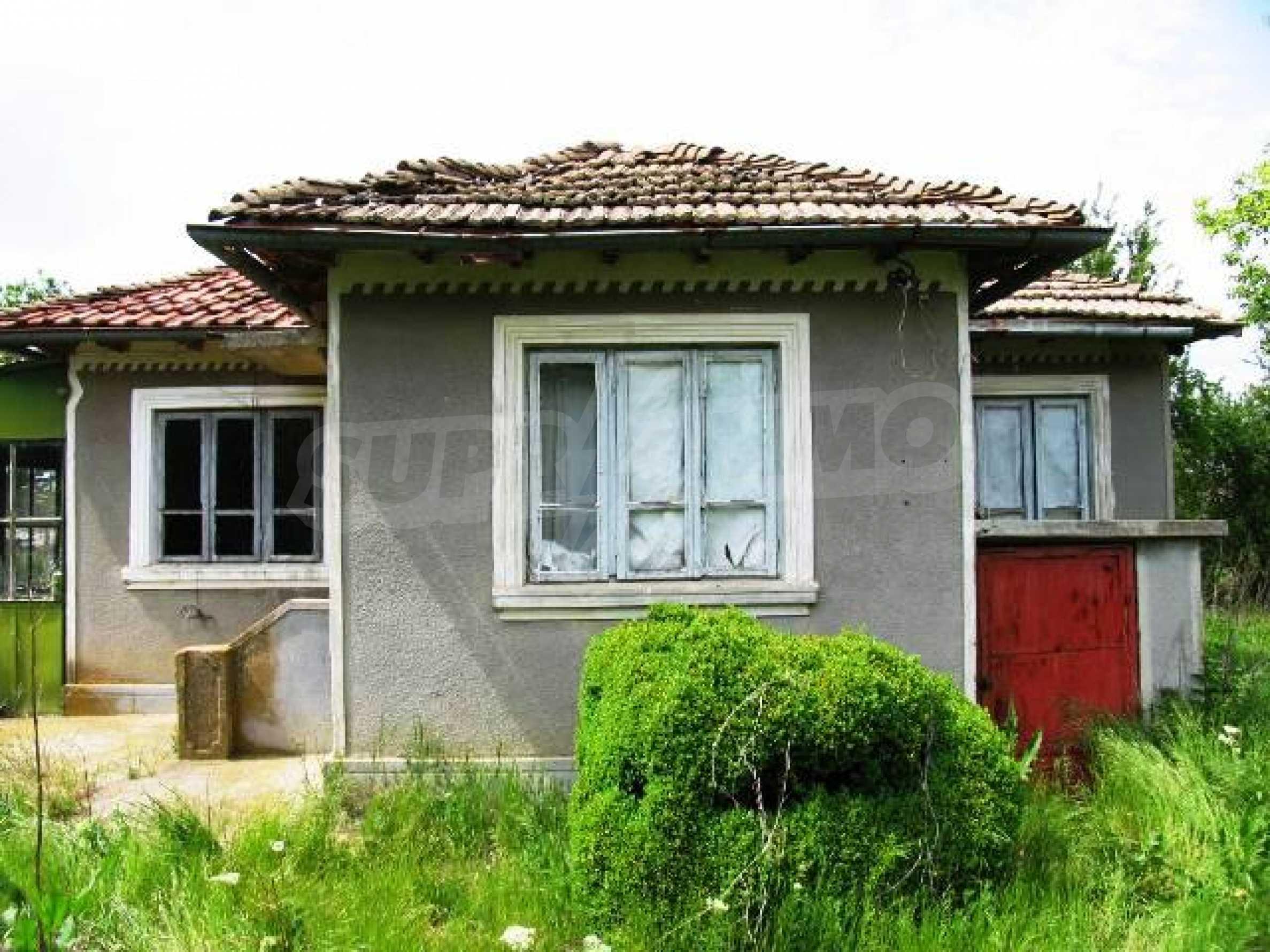 House for sale in Zementsi village near by Romanian border 7