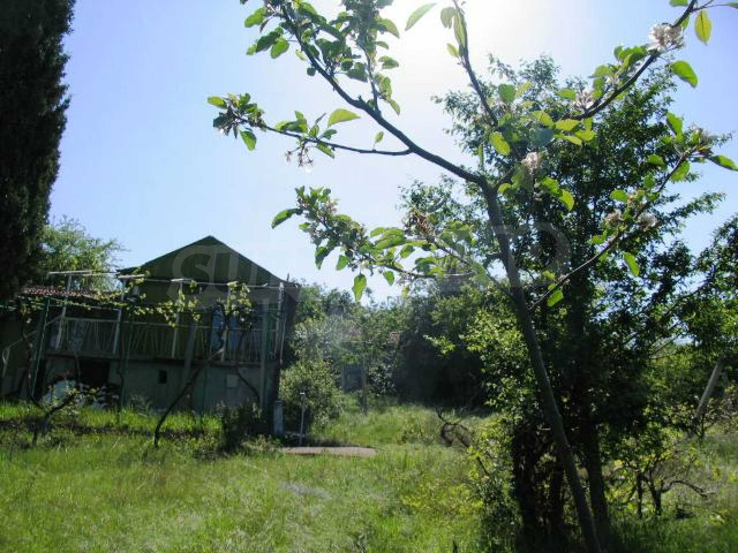 Well-sized house with plot of land close to Varna and the sea  25