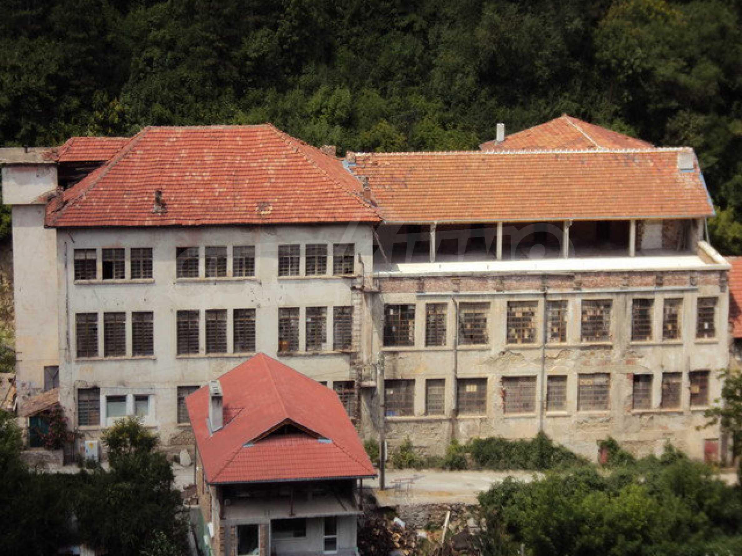 Уникальное здание на берегу реки Янтра, г. Велико Тырново 9