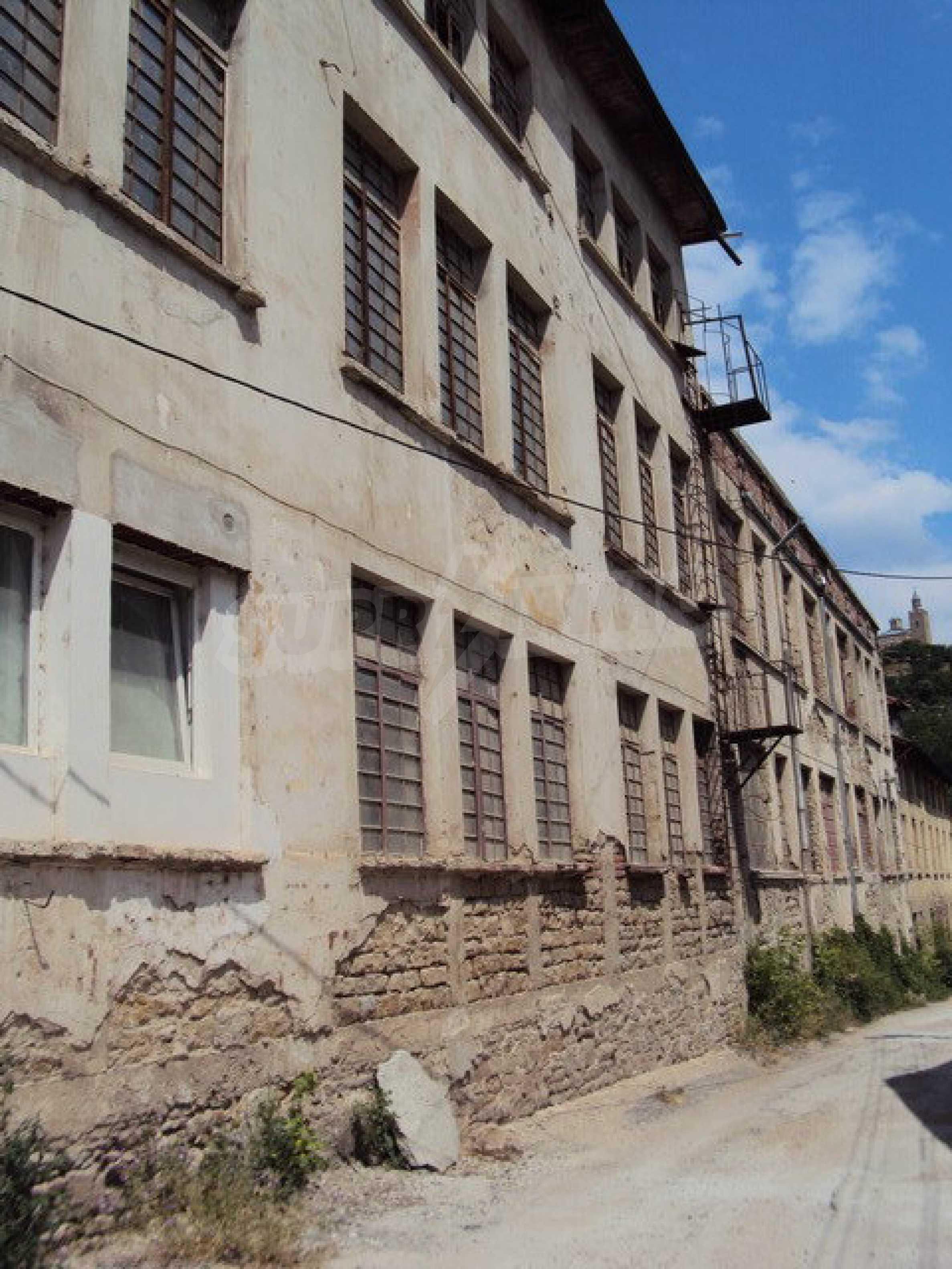 Уникальное здание на берегу реки Янтра, г. Велико Тырново 13