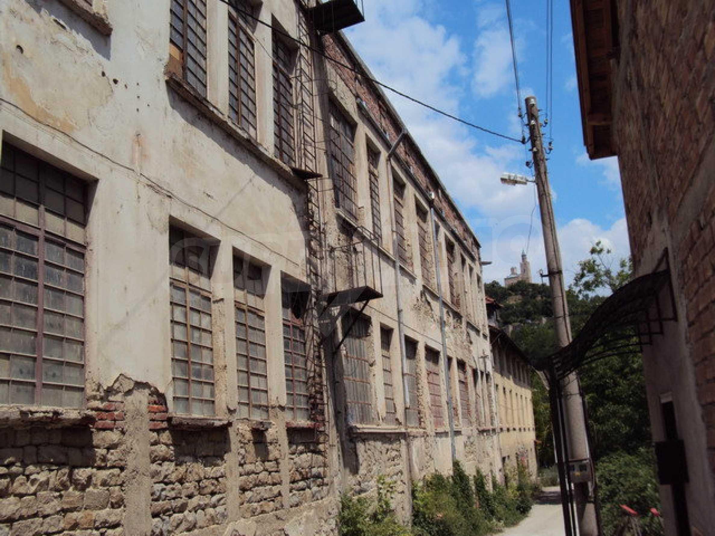 Уникальное здание на берегу реки Янтра, г. Велико Тырново 14