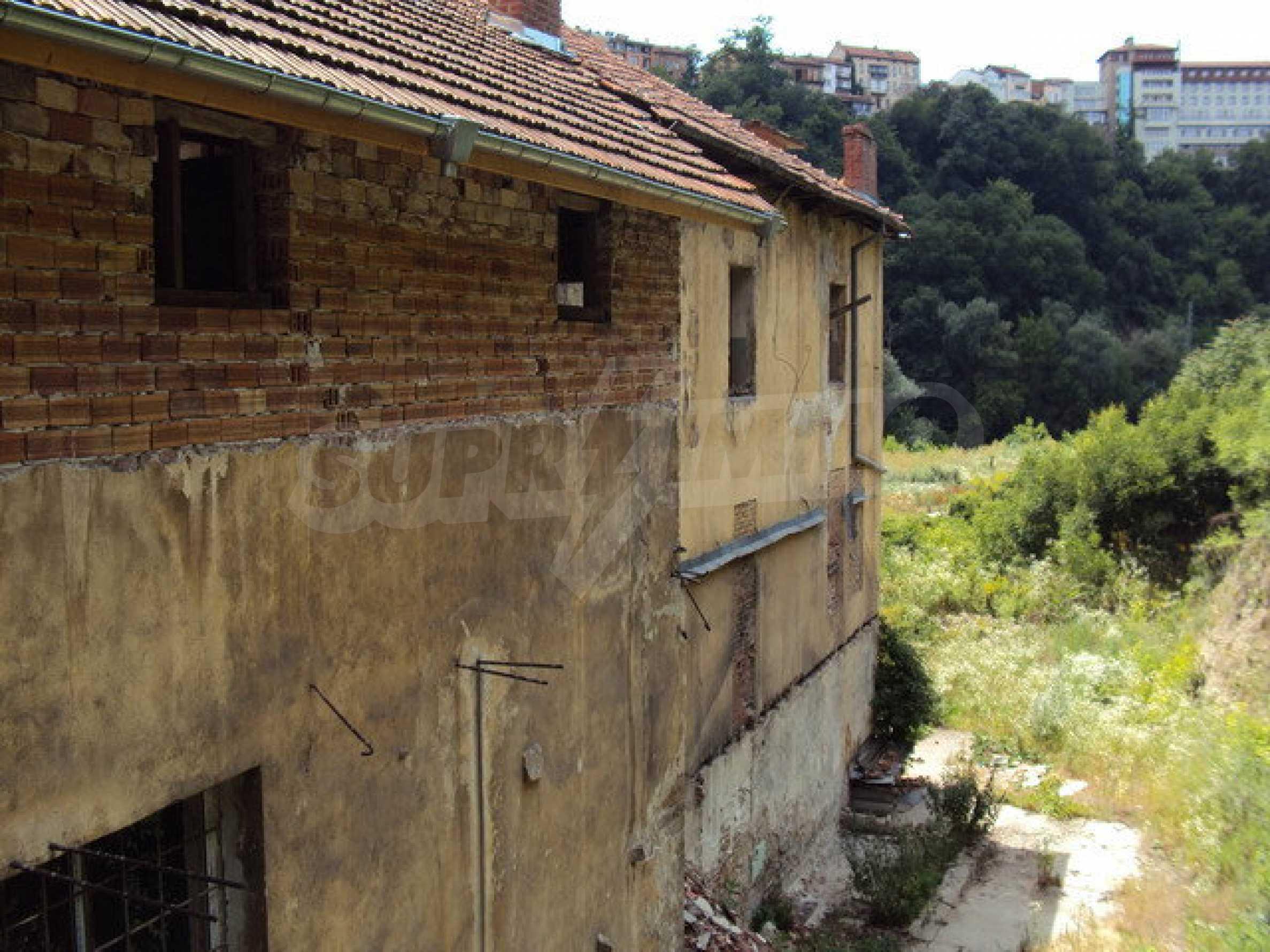 Уникальное здание на берегу реки Янтра, г. Велико Тырново 46