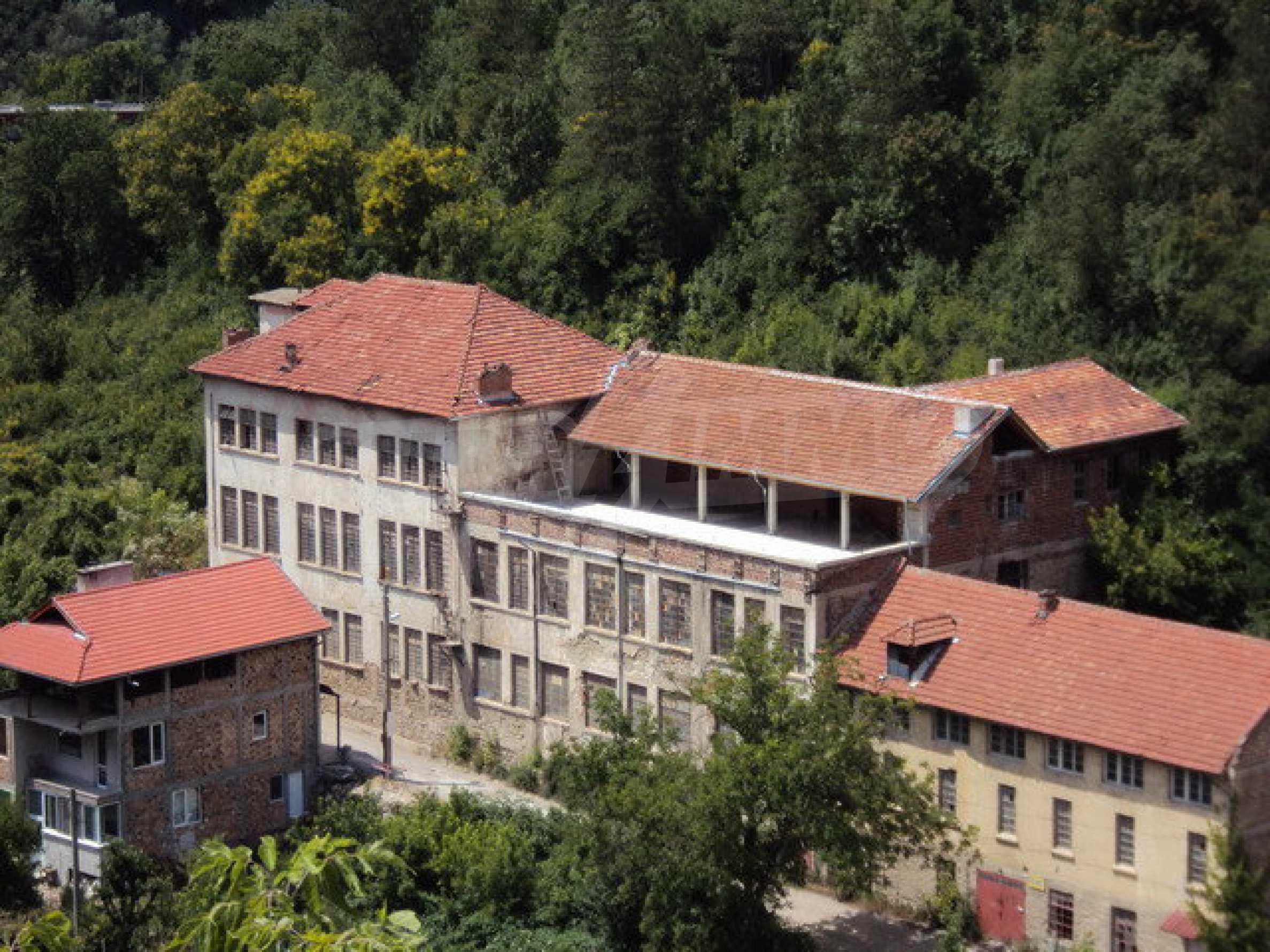 Уникальное здание на берегу реки Янтра, г. Велико Тырново 7