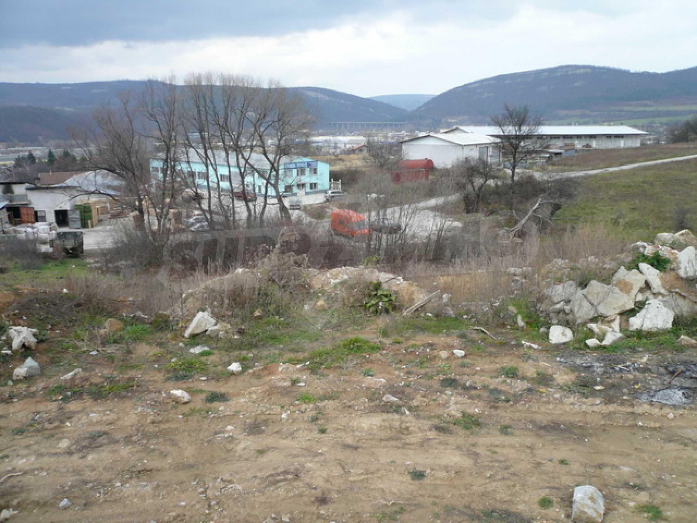 Парцел в промишлената зона на гр. Габрово 5