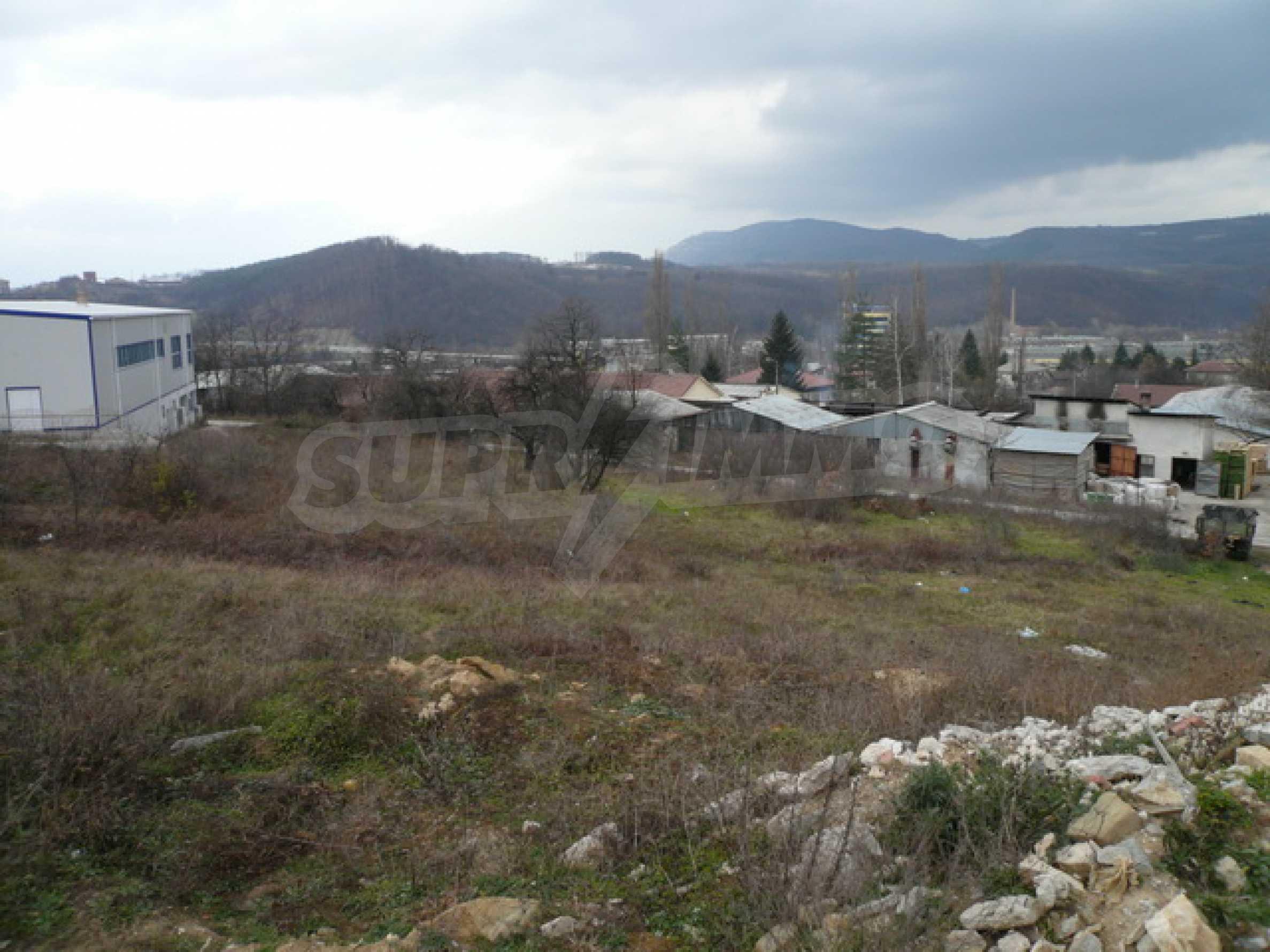 Парцел в промишлената зона на гр. Габрово 6