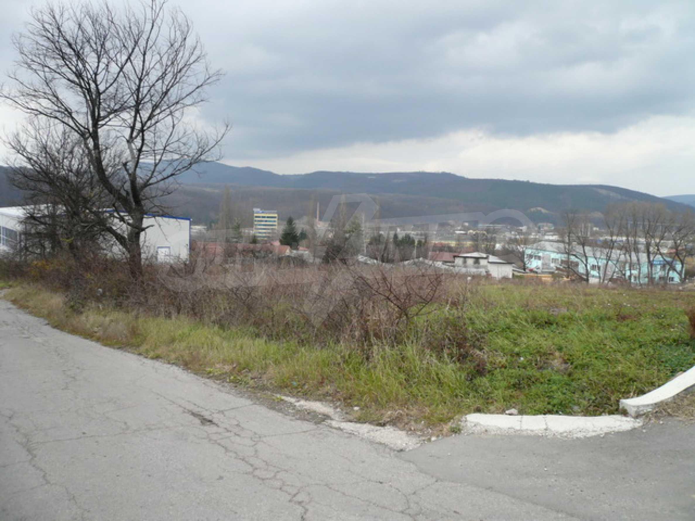 Парцел в промишлената зона на гр. Габрово 8
