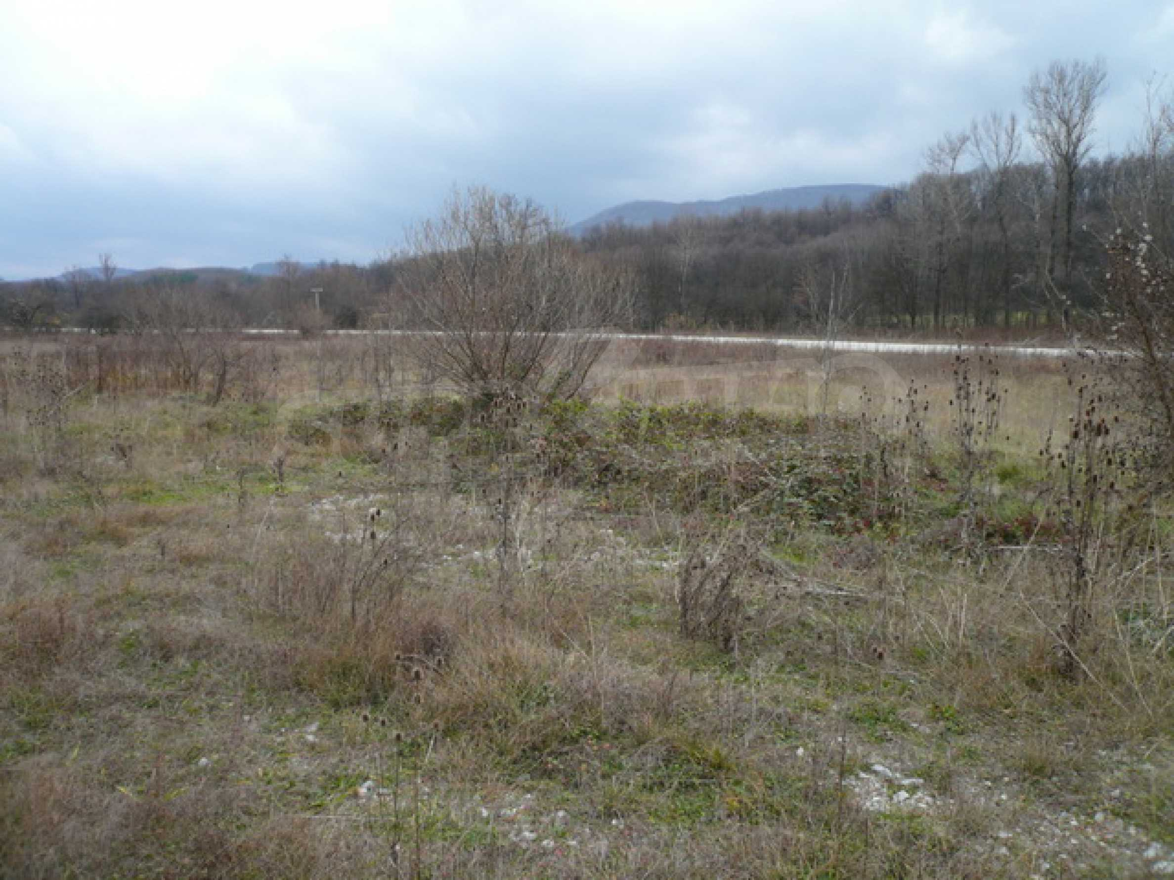 Парцел в близост до главен път Габрово-Севлиево 1
