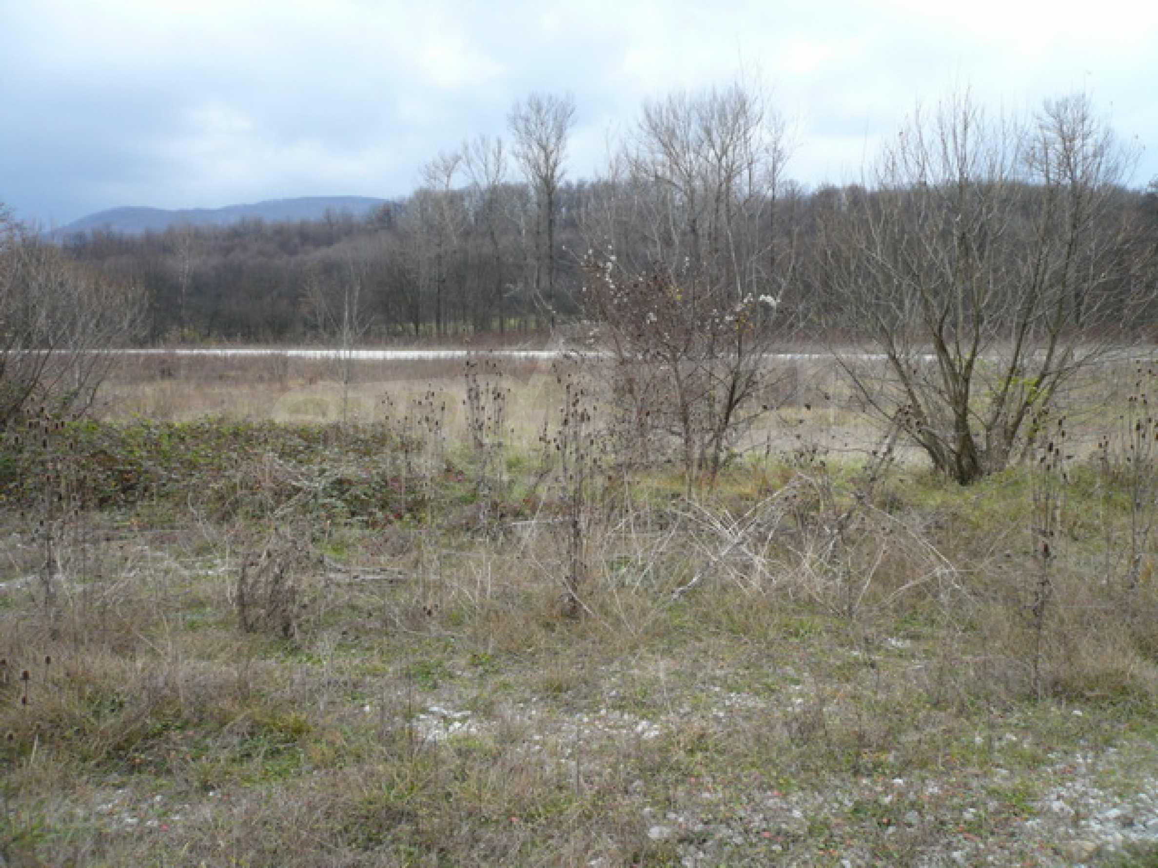 Парцел в близост до главен път Габрово-Севлиево 2