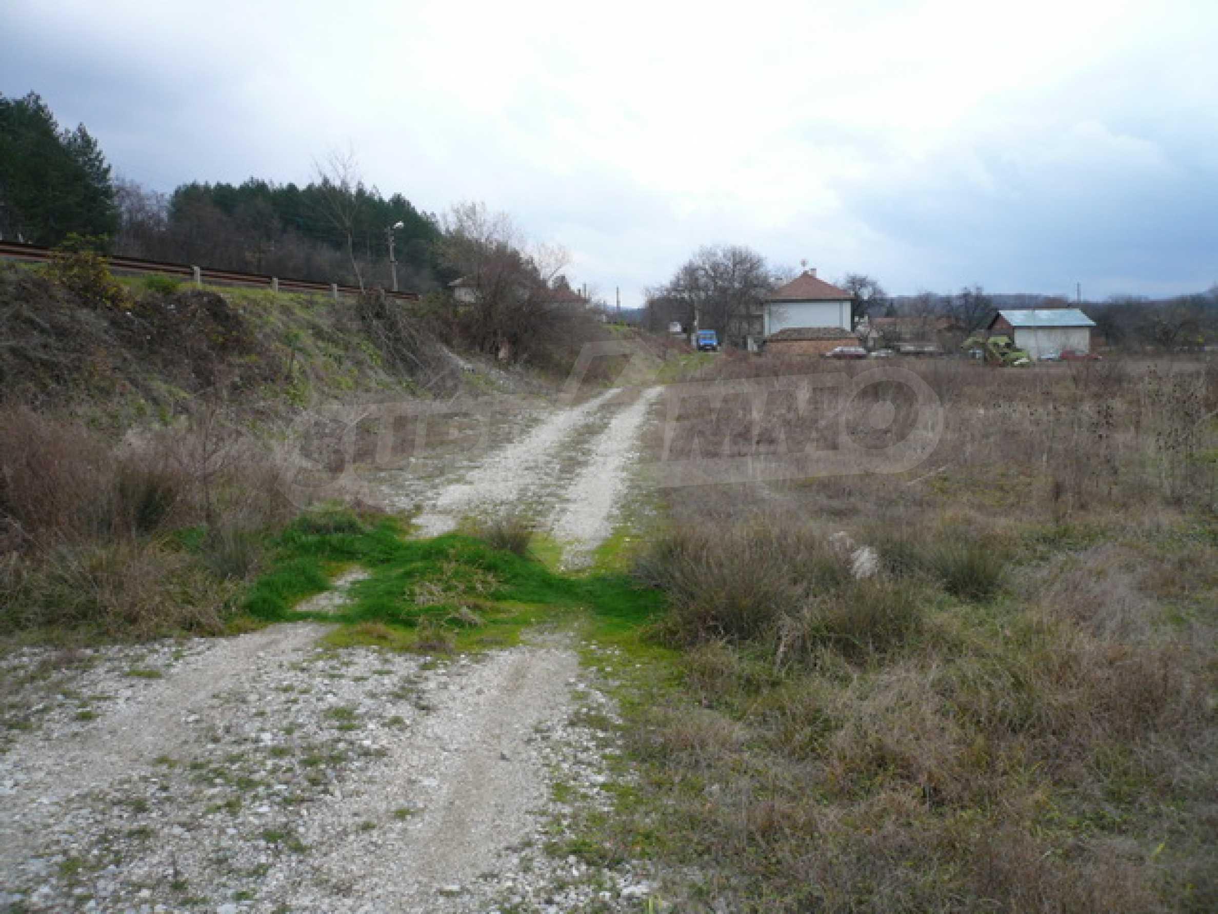Grundstück in der Nähe der Hauptstraße Gabrovo-Sevlievo 3