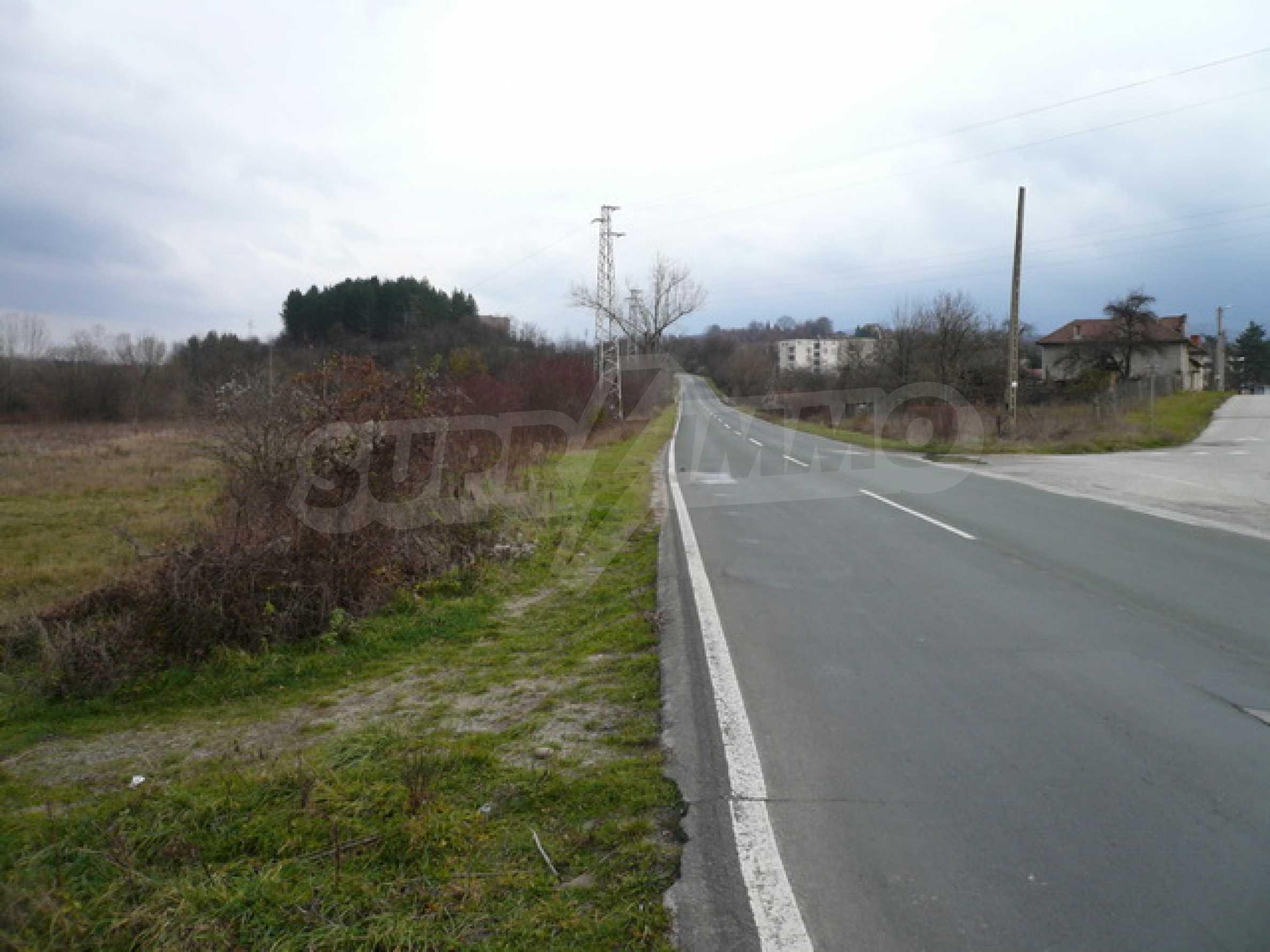 Grundstück in der Nähe der Hauptstraße Gabrovo-Sevlievo 7