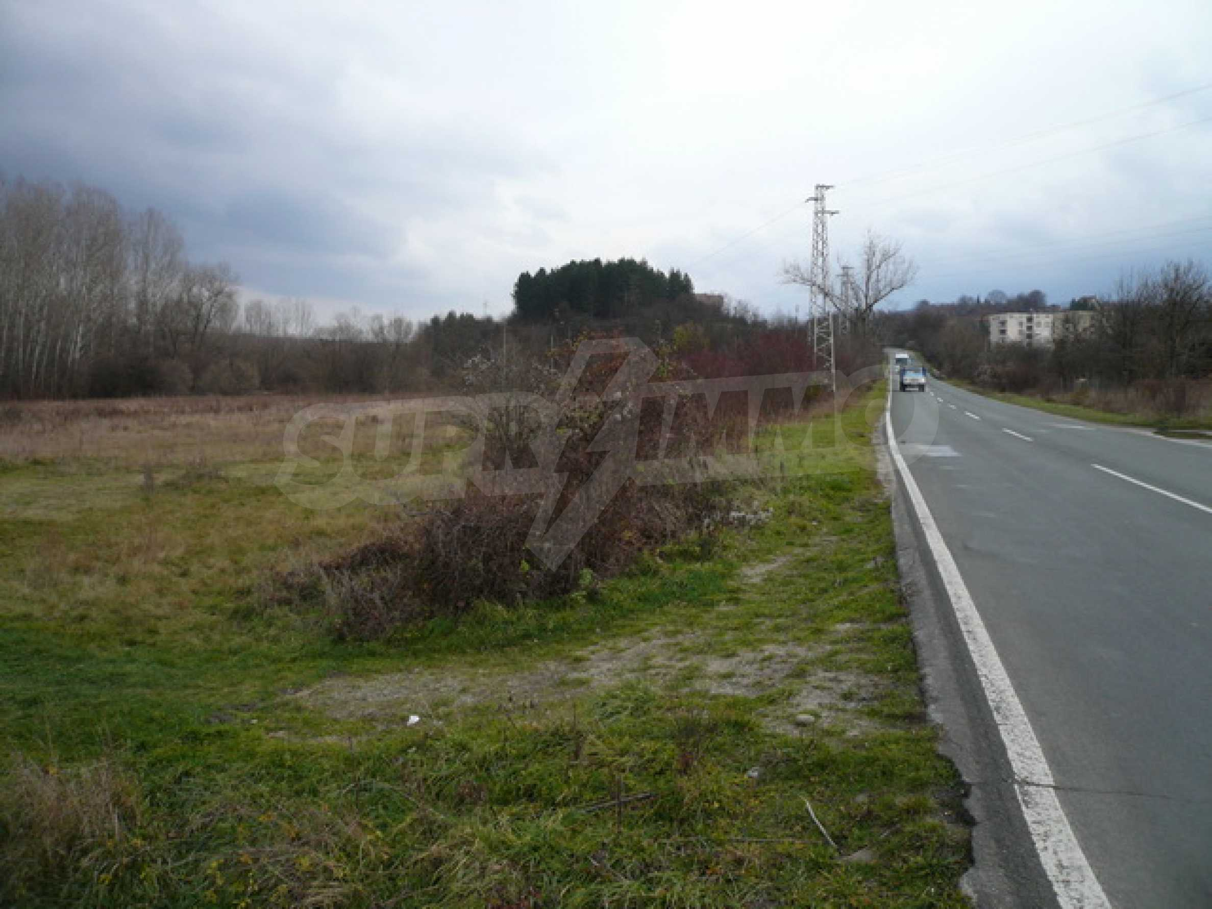 Grundstück in der Nähe der Hauptstraße Gabrovo-Sevlievo 8